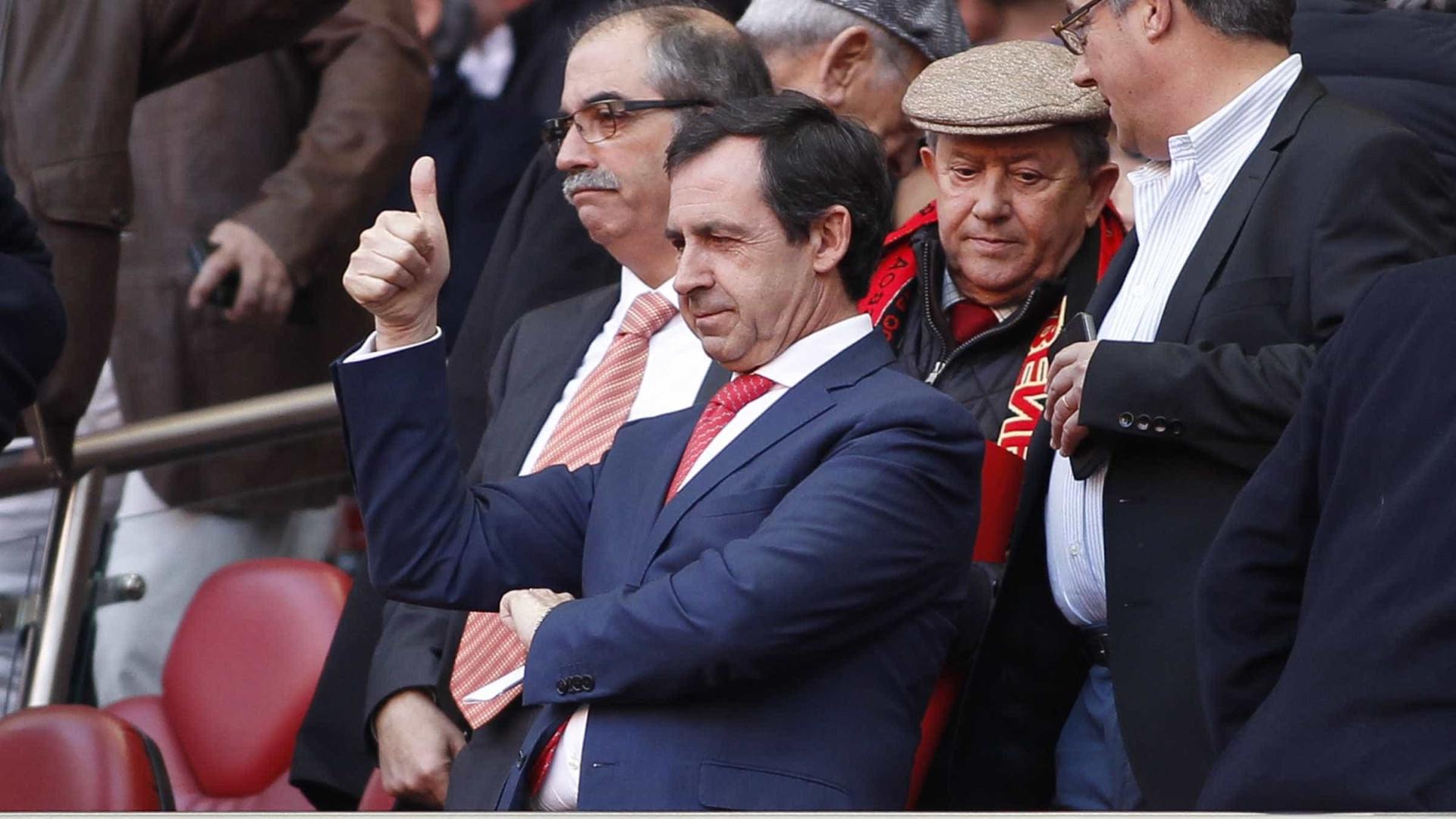 "Das ""visitas da PJ"" aos ""favores"": Gomes da Silva pede ""respostas"" na AG"