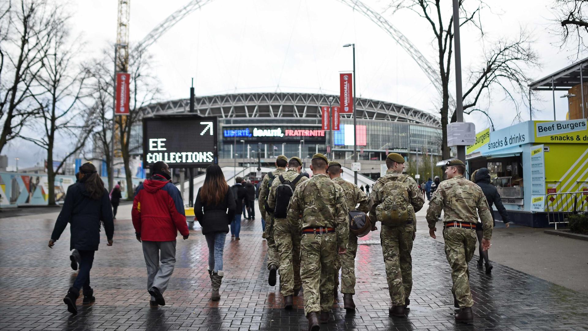 Estádio de Wembley presta homenagem ao Chapecoense