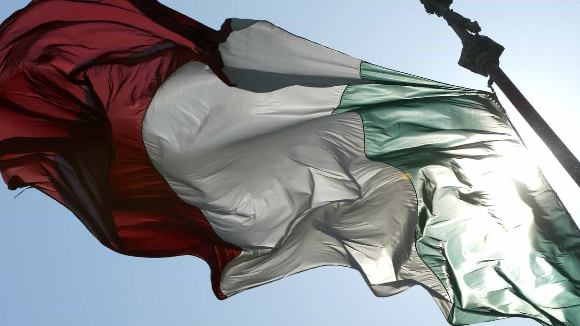 Movimento 5 estrelas e Liga anunciam pacto de Governo em Itália