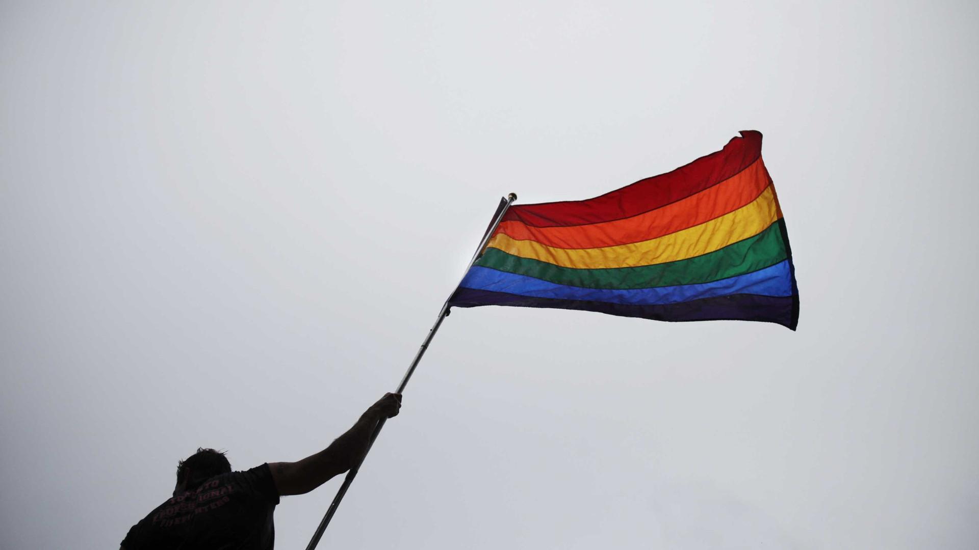 Manifestantes pedem ação contra perseguição a 'gays' na Chechénia