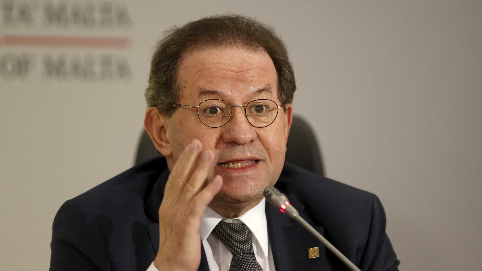 Vítor Constâncio alerta que união monetária ainda não está completa
