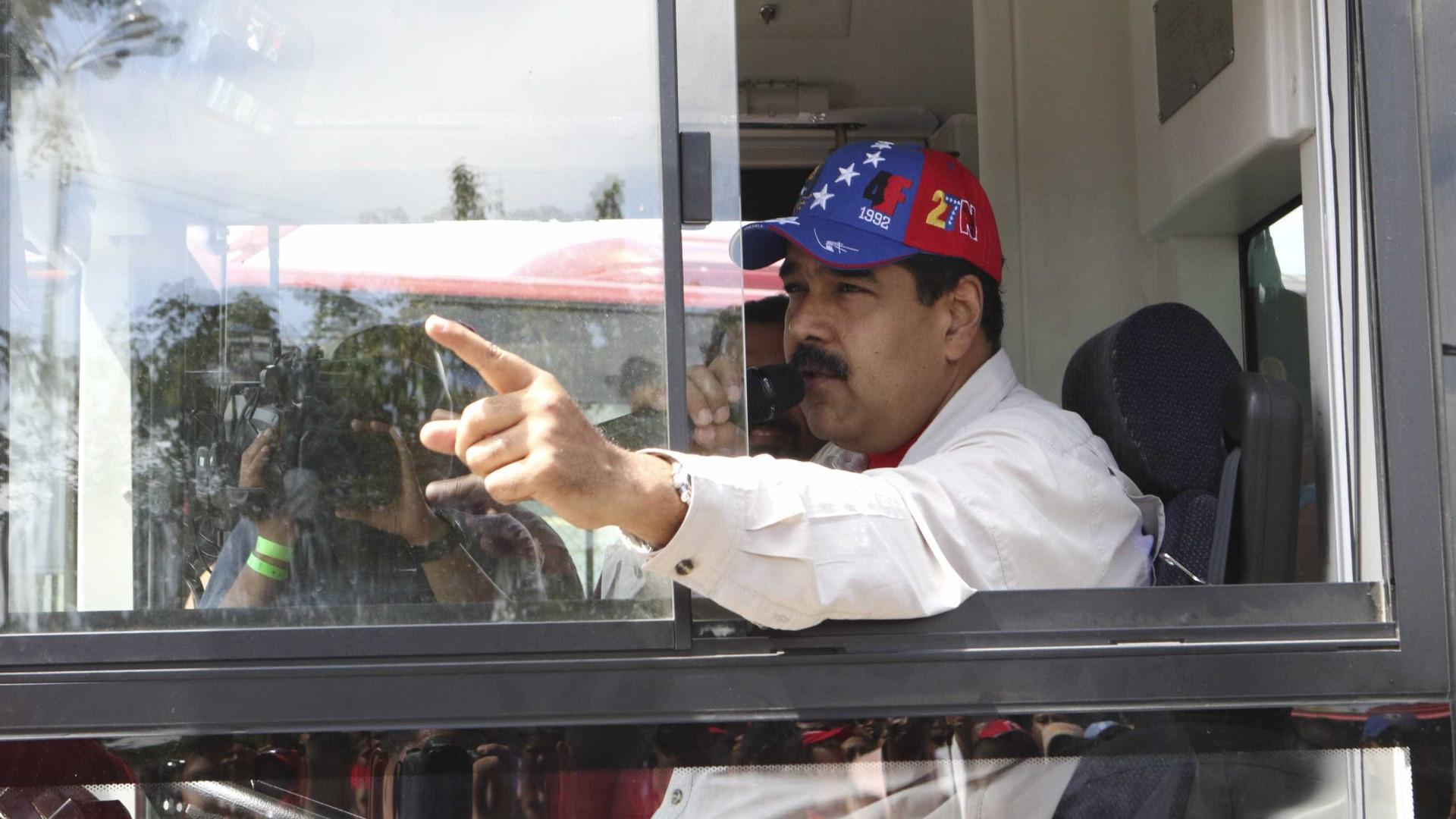 Maduro avisa que não permitirá abandono o diálogo por parte da oposição