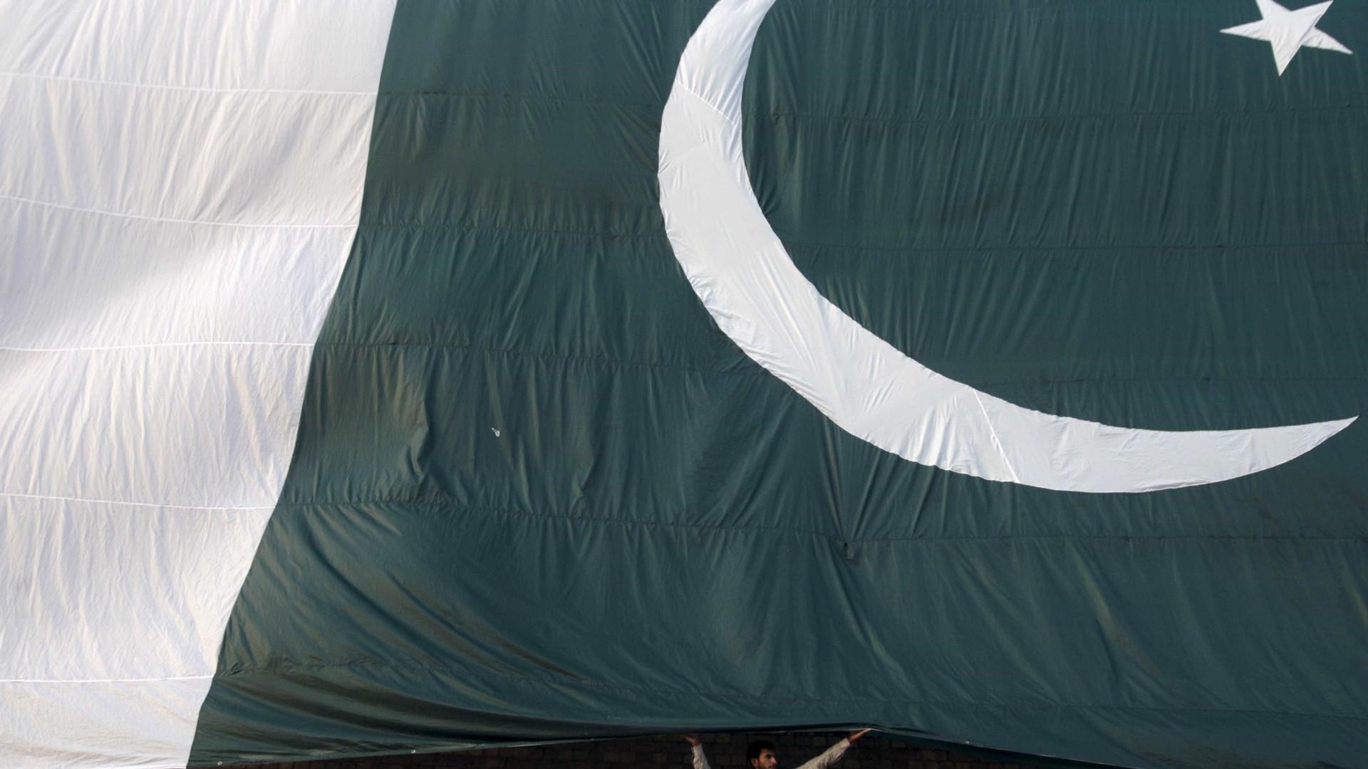 Supremo do Paquistão suspende execução de doente mental condenado à morte