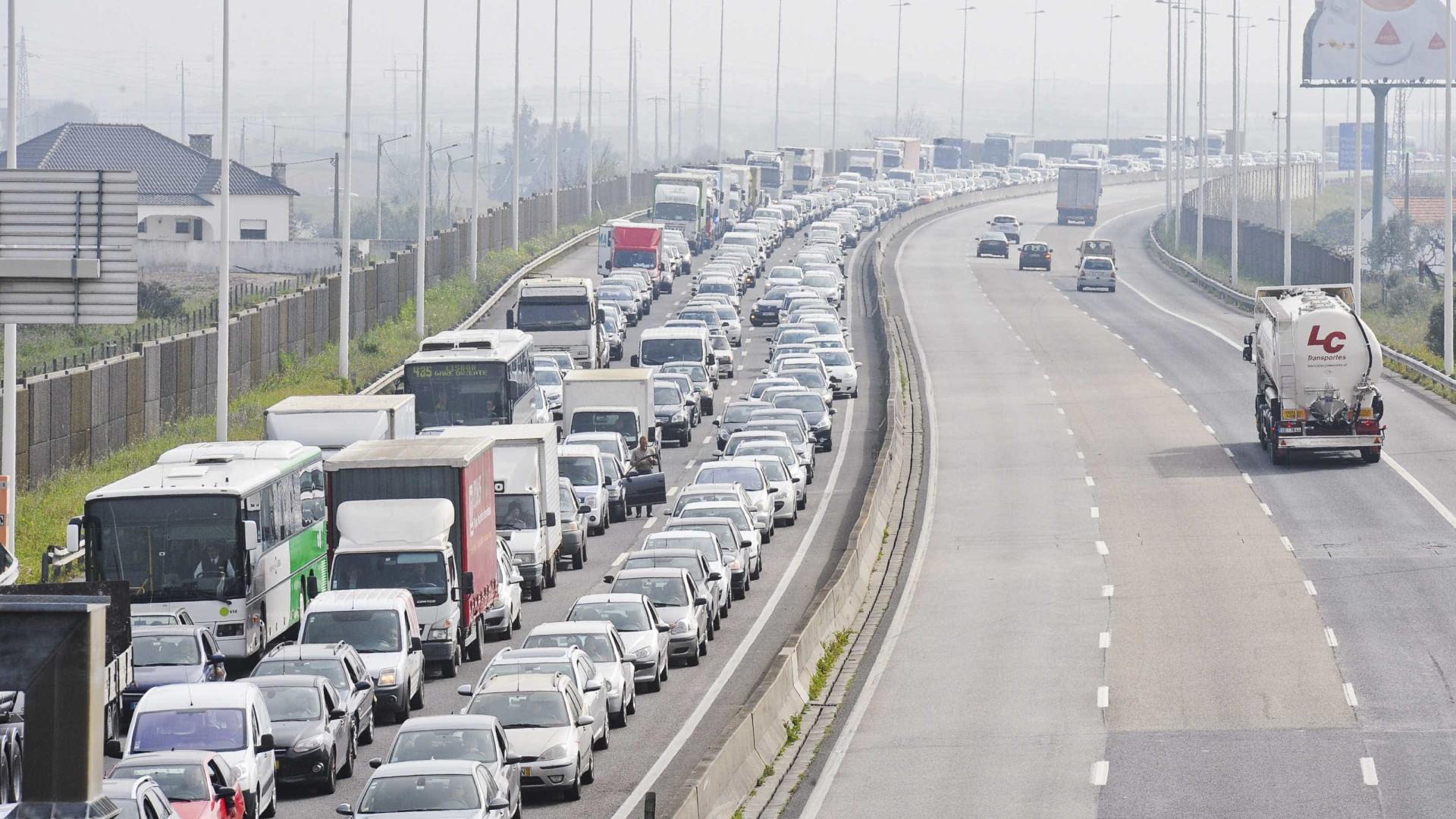 Acidente causa 10 quilómetros de fila para entrar em Lisboa