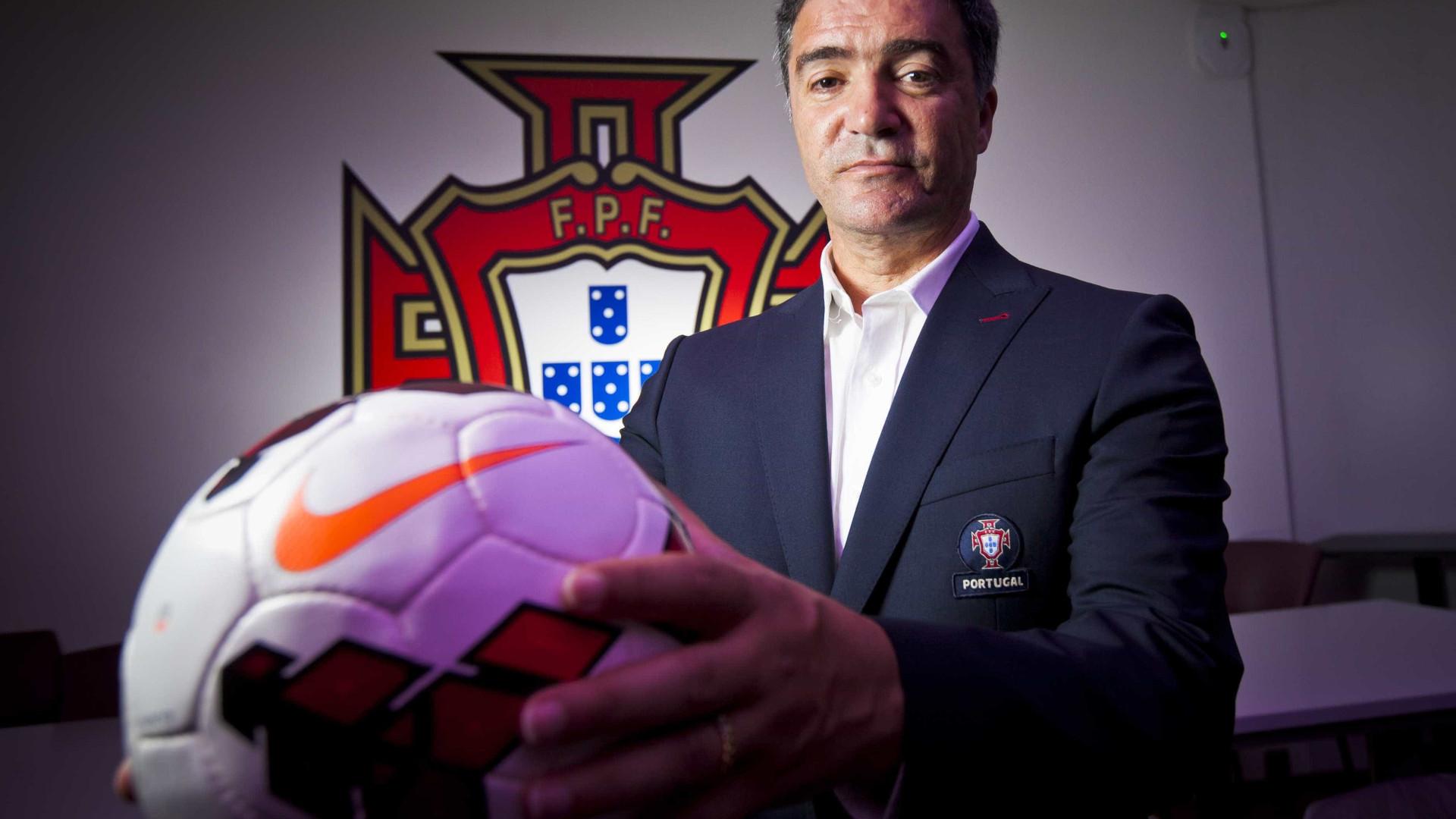 Hélio Sousa chama 22 jogadores para disputar Ronda de Elite do Europeu