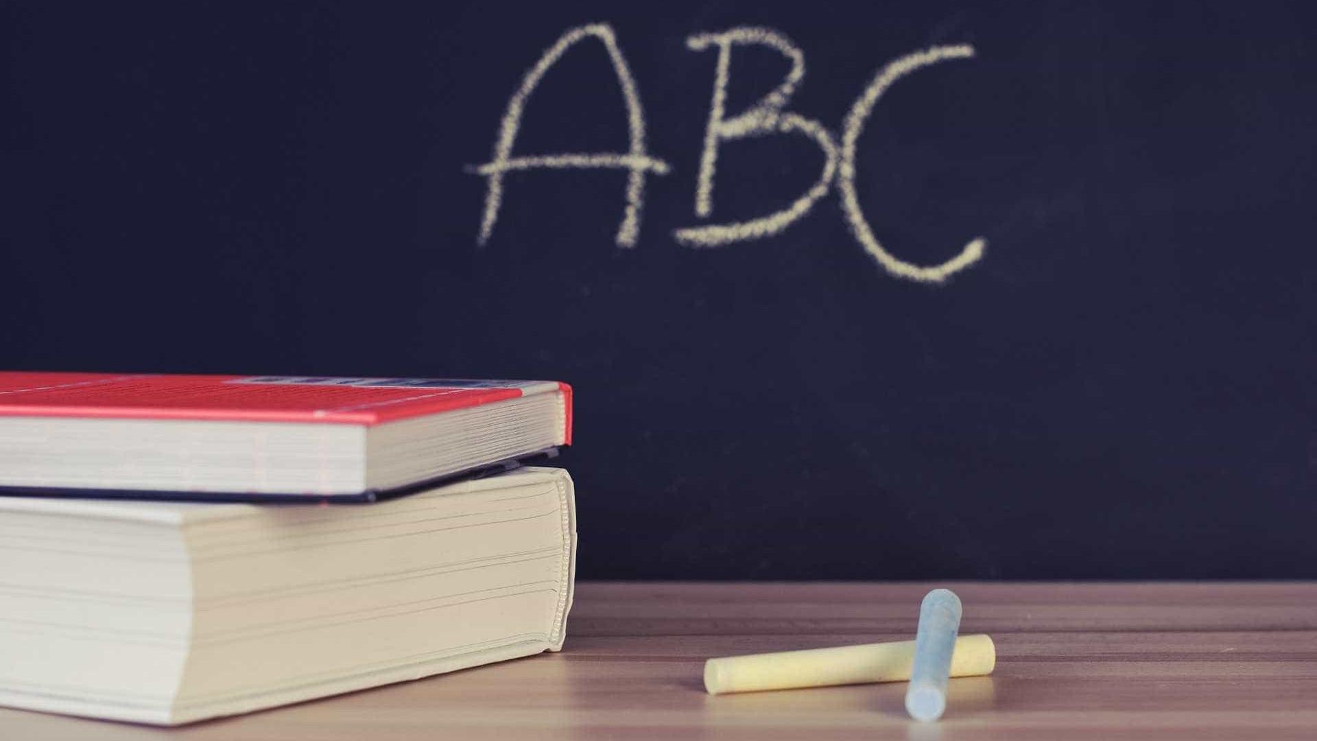 Prazo para escolas contratarem técnicos foi prorrogado até 5.ª feira