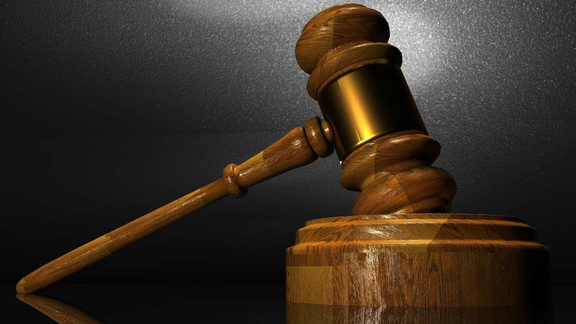 Dezoito arguidos acusados por negócio de metal furtado com sucata