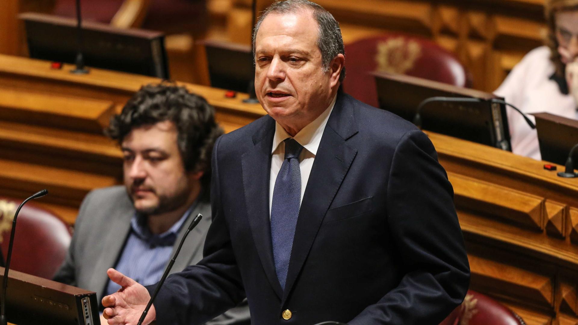 """""""Proibição de jogos em dia de eleições pouco adianta"""""""
