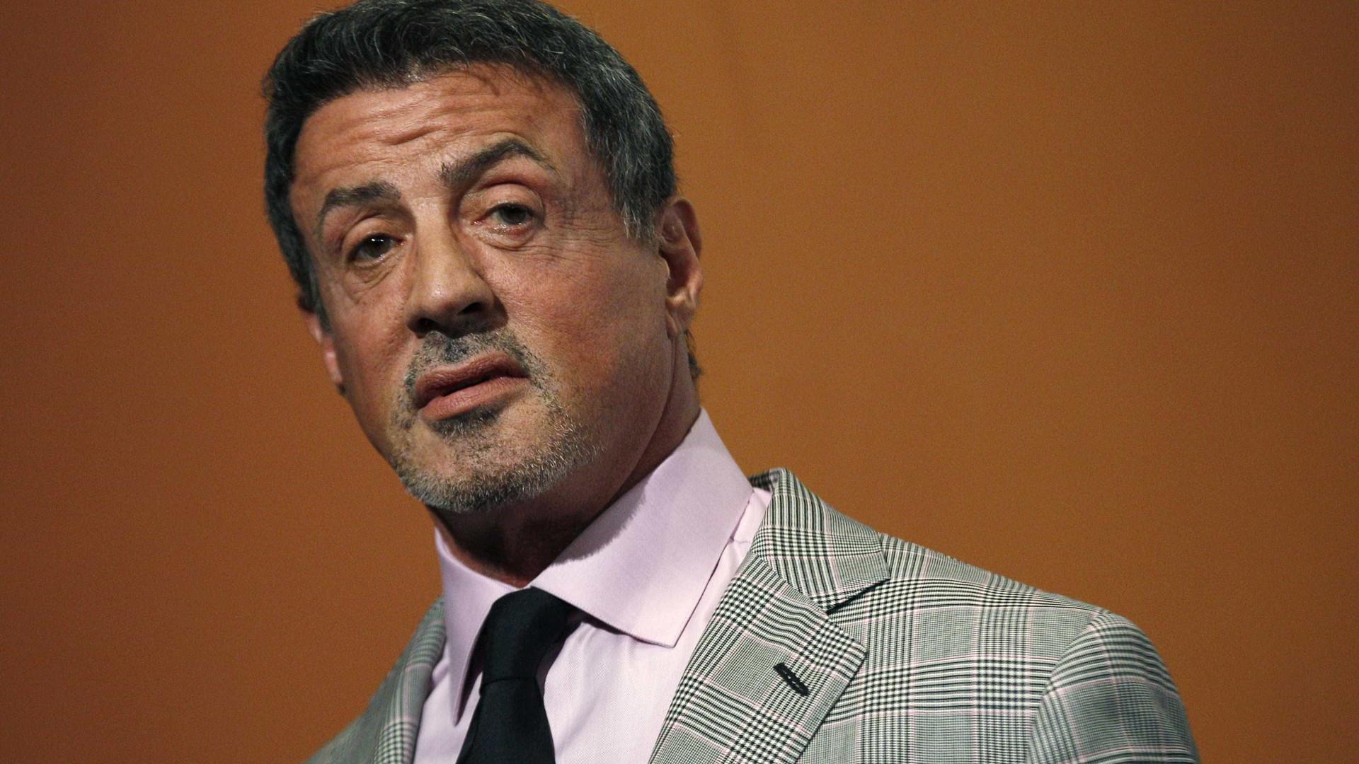 Sylvester Stallone acusado de abusar sexualmente de uma fã de 16 anos