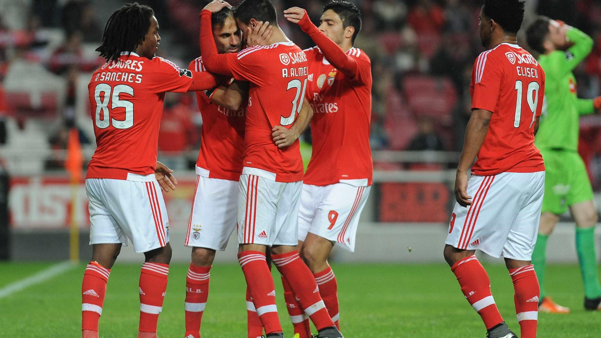 85432420f9  6-0  Benfica  atropela  Marítimo débil numa goleada das antigas