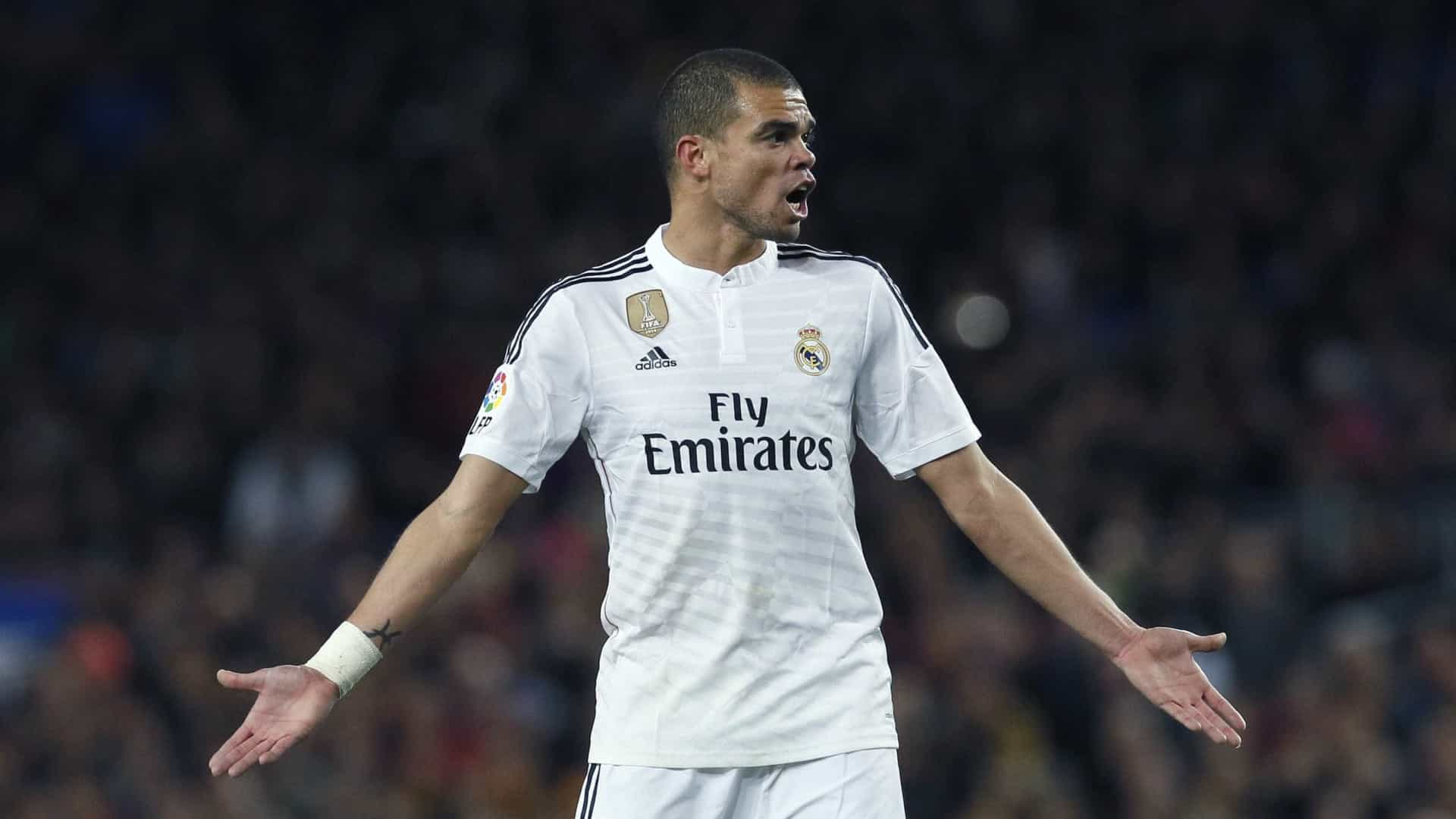 Mercado: Pepe dado como certo no Paris Saint-Germain