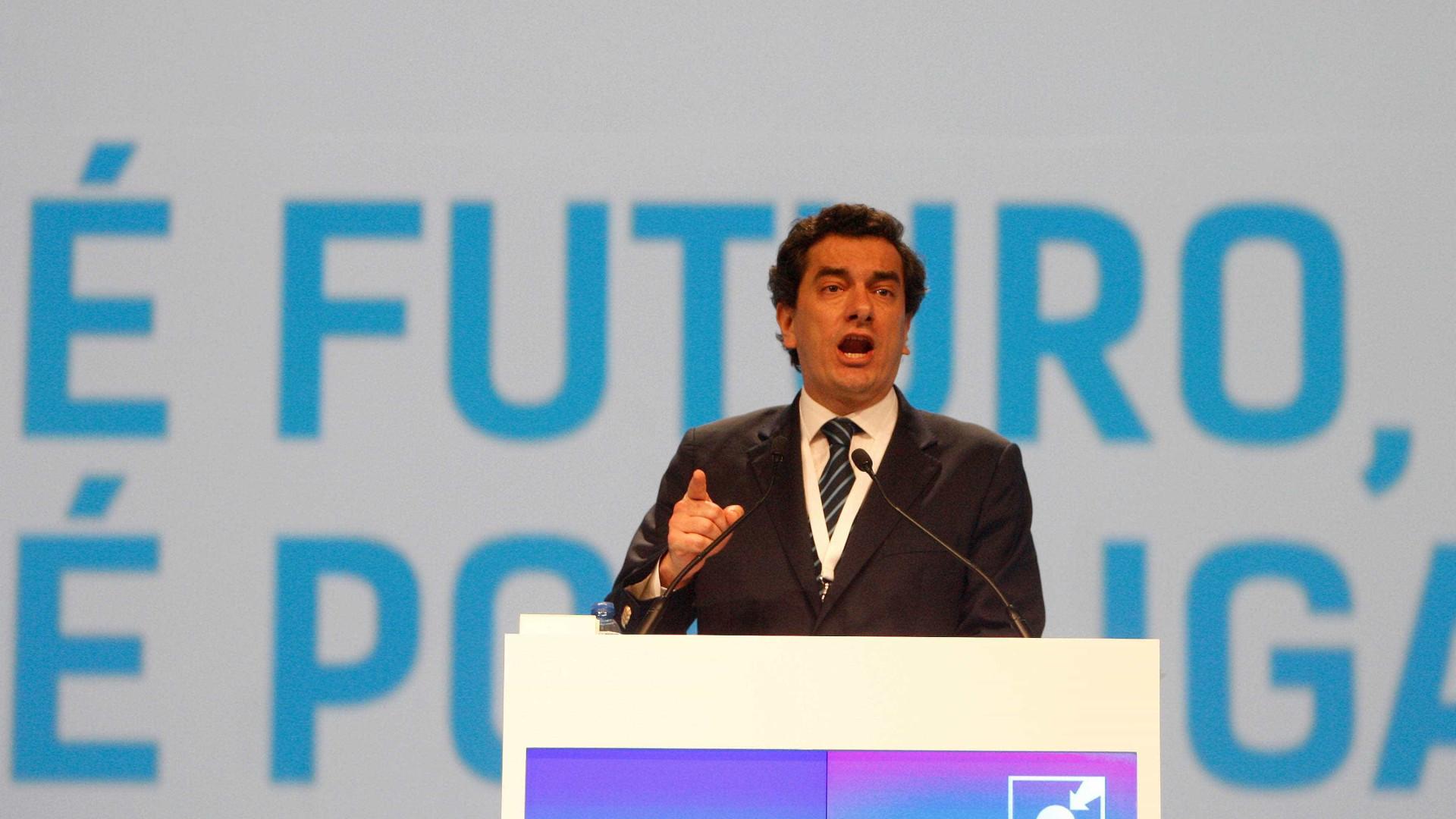 Cristas anuncia recandidatura de Nuno Melo às europeias