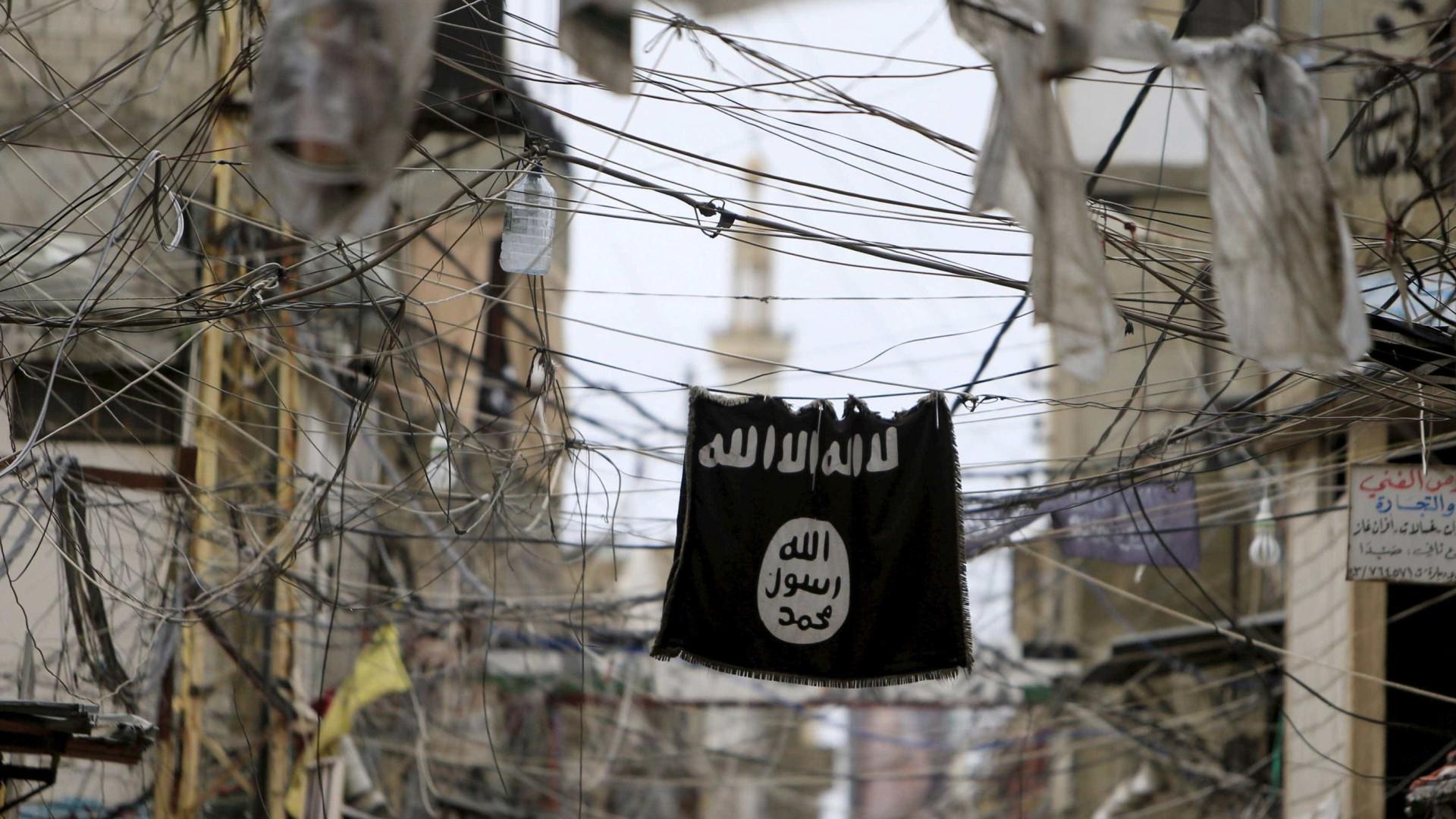 """Mostrava vídeos jihadistas ao filho"", denuncia mulher de terrorista"