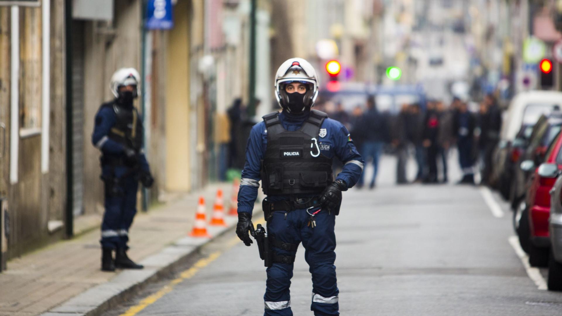 """Três prédios evacuados no Porto por causa de """"objeto improvisado"""""""