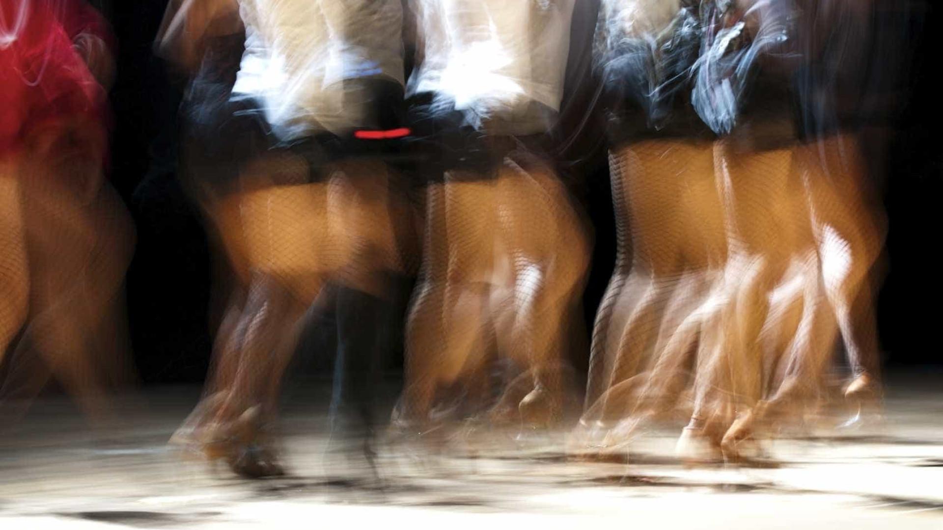 Dança labiríntica de Jonas & Lander atravessa espetáculo 'Adorabilis'