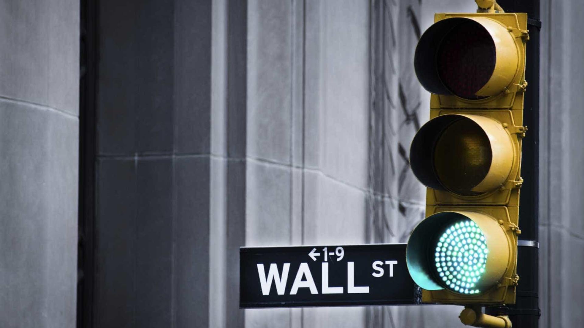 Wall Street inicia sessão em alta após resultados e indicadores