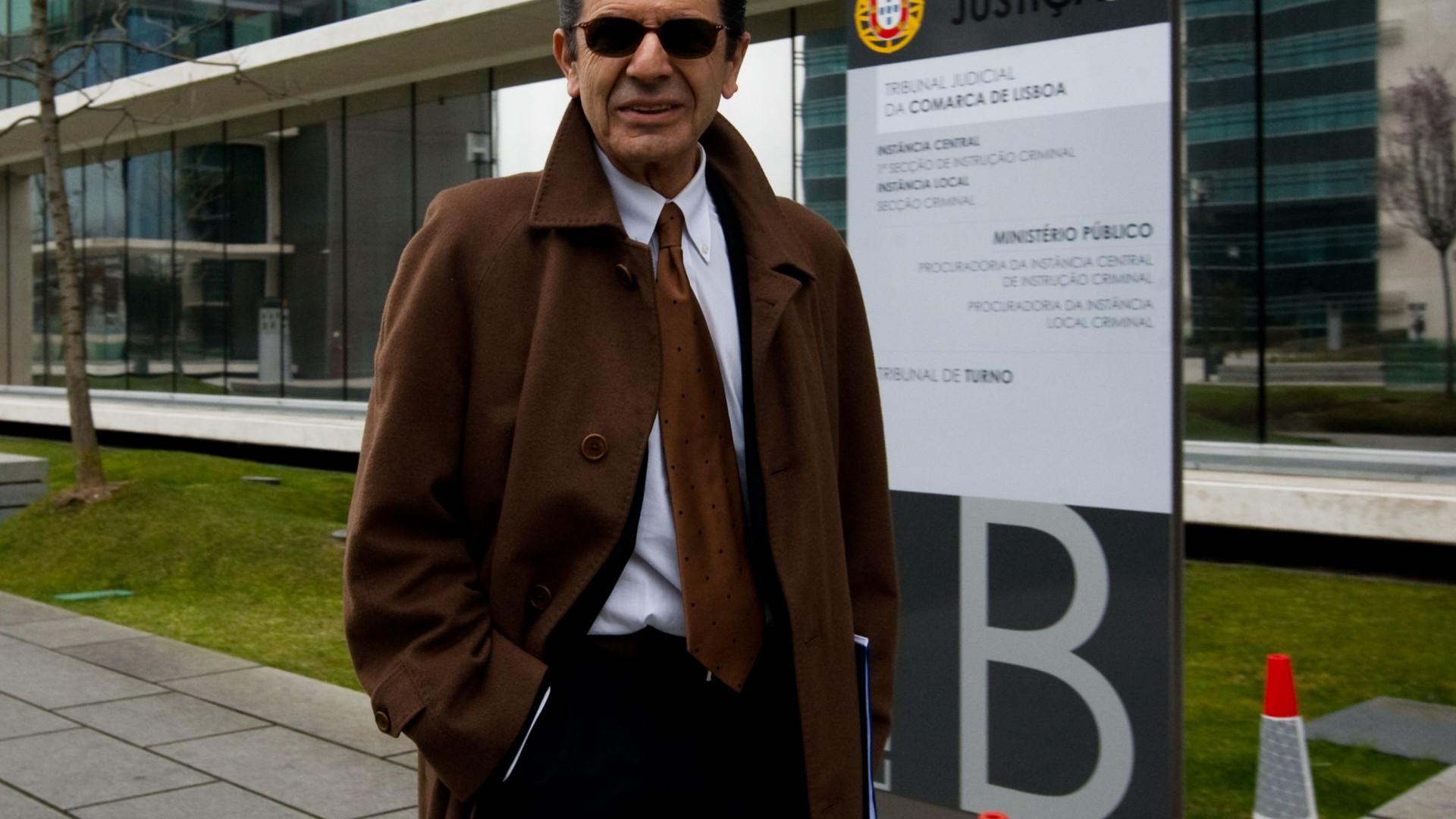 Carrilho condenado a quatro anos e meio de cadeia suspensos