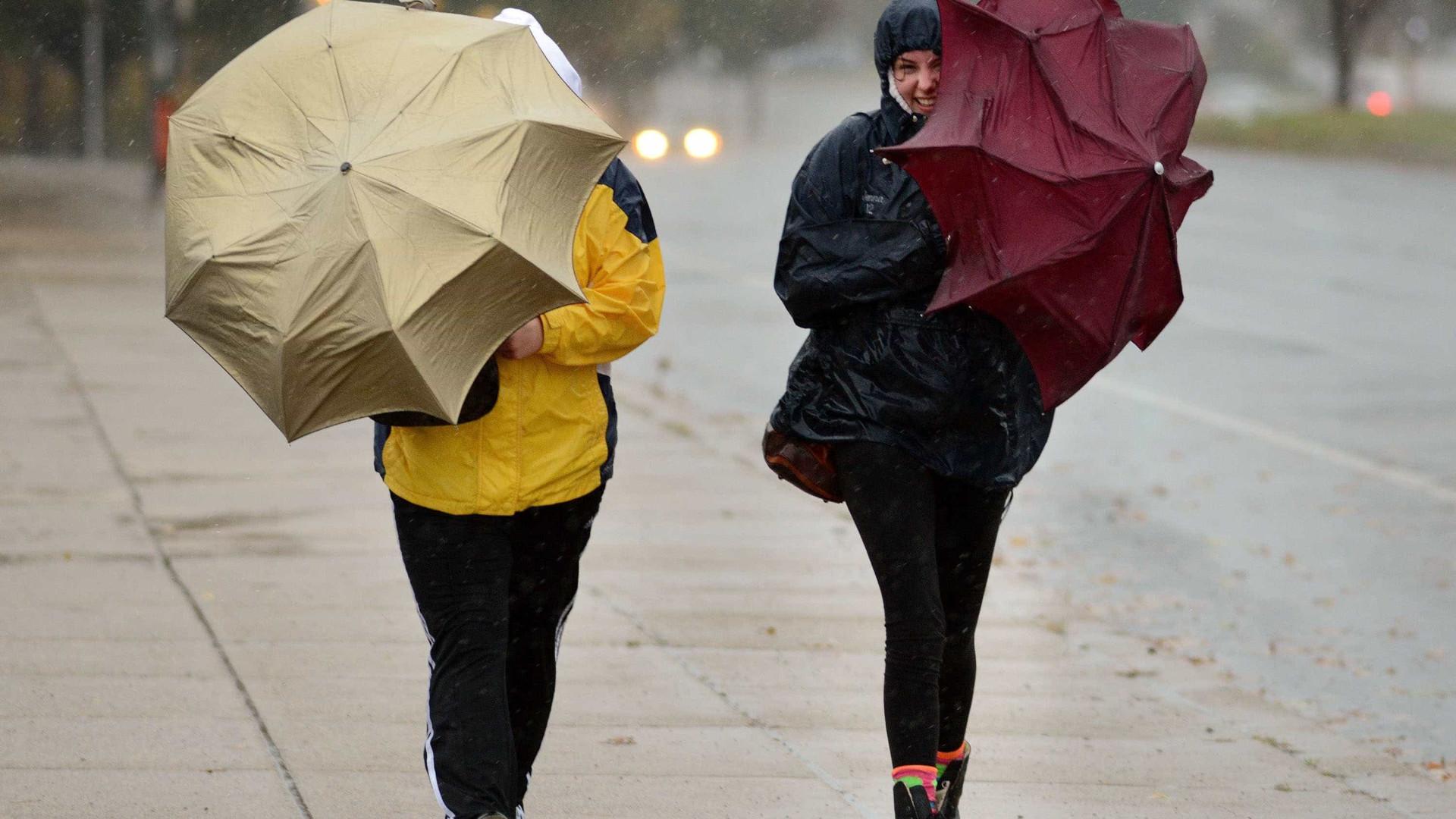 Vem aí a tempestade Felix. E traz (mais) chuva, trovoada, granizo e vento