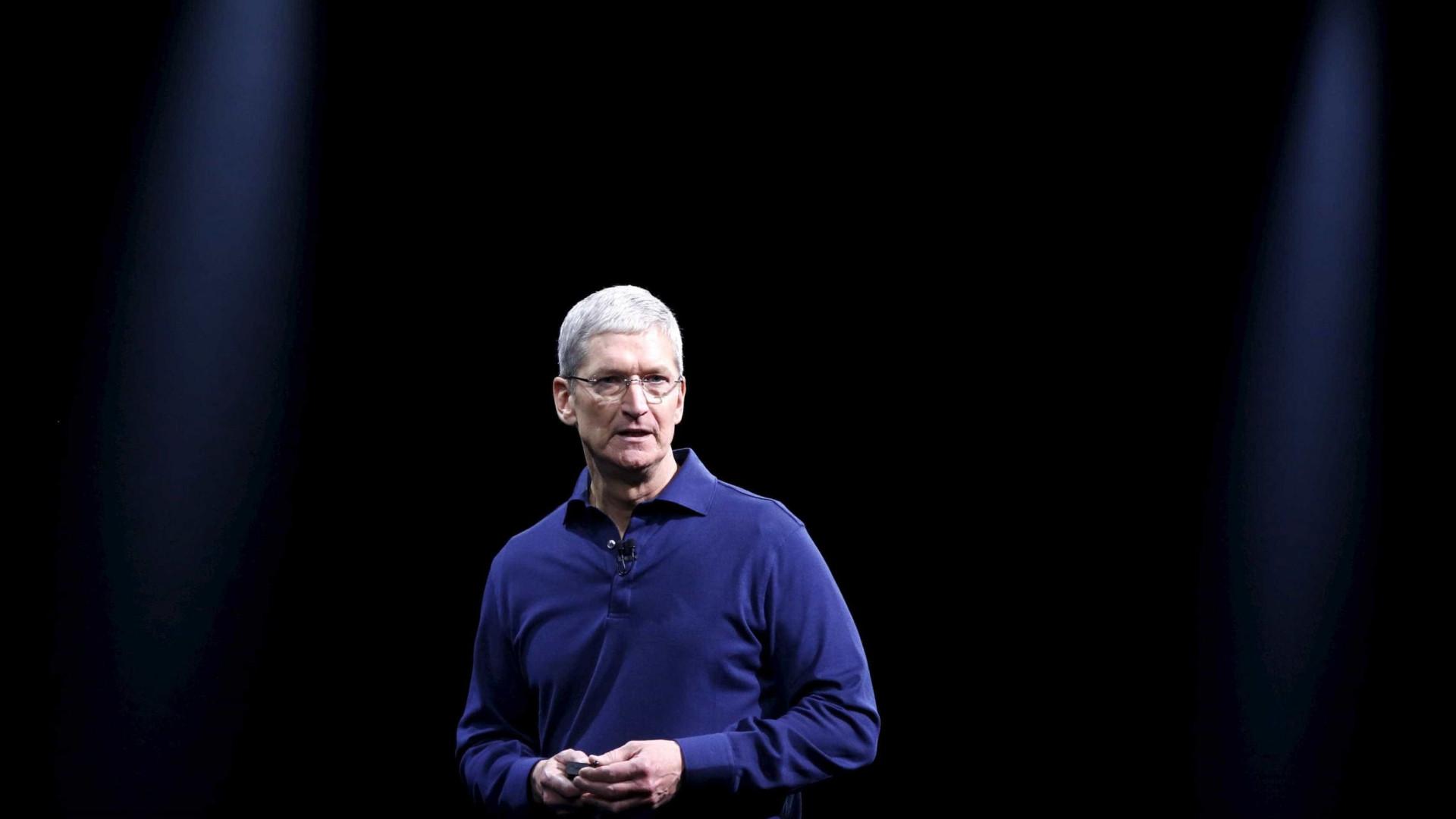 CEO da Apple reuniu-se com líder de campanha de Hillary Clinton