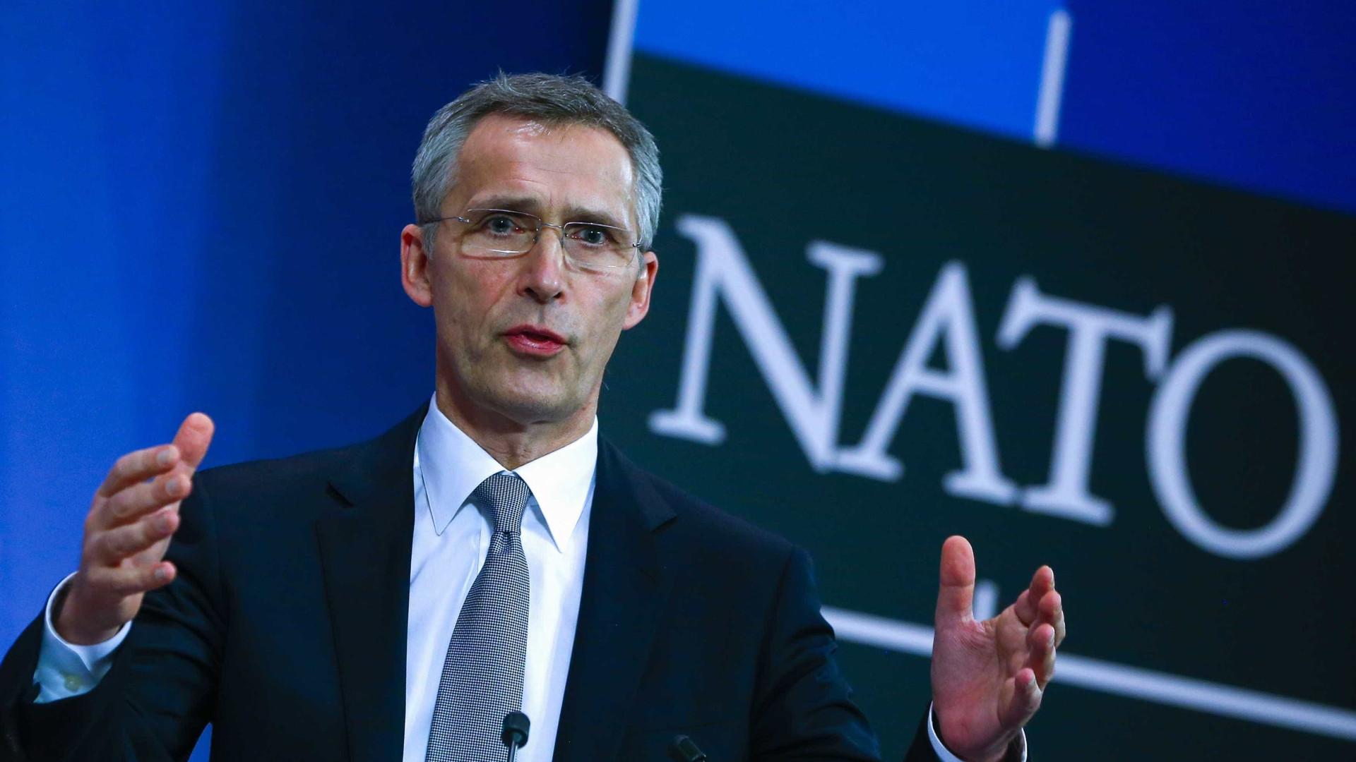 Stoltenberg defende que aliados não têm de agradar aos EUA