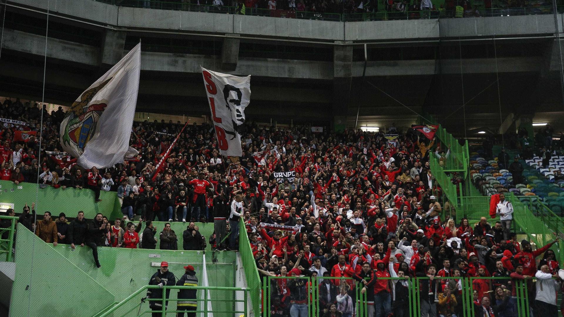 """Benfica pede que adeptos sejam """"responsáveis e dignos"""" no dérbi"""
