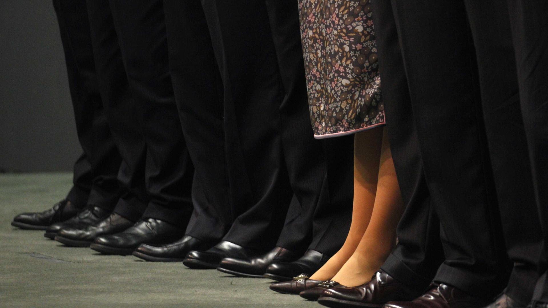 Publicada lei que obriga empresas a terem mulheres na administração