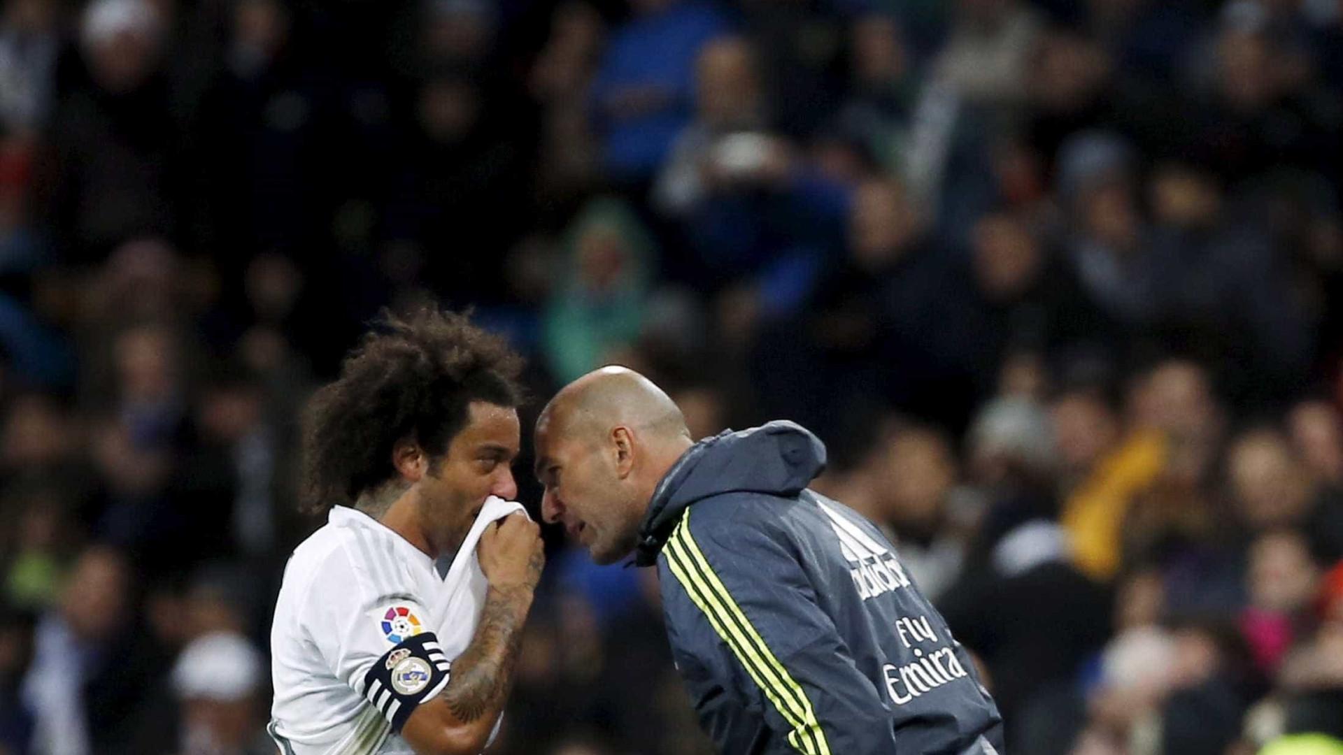 """""""A maior diferença entre Mourinho e Zidane são os títulos"""""""