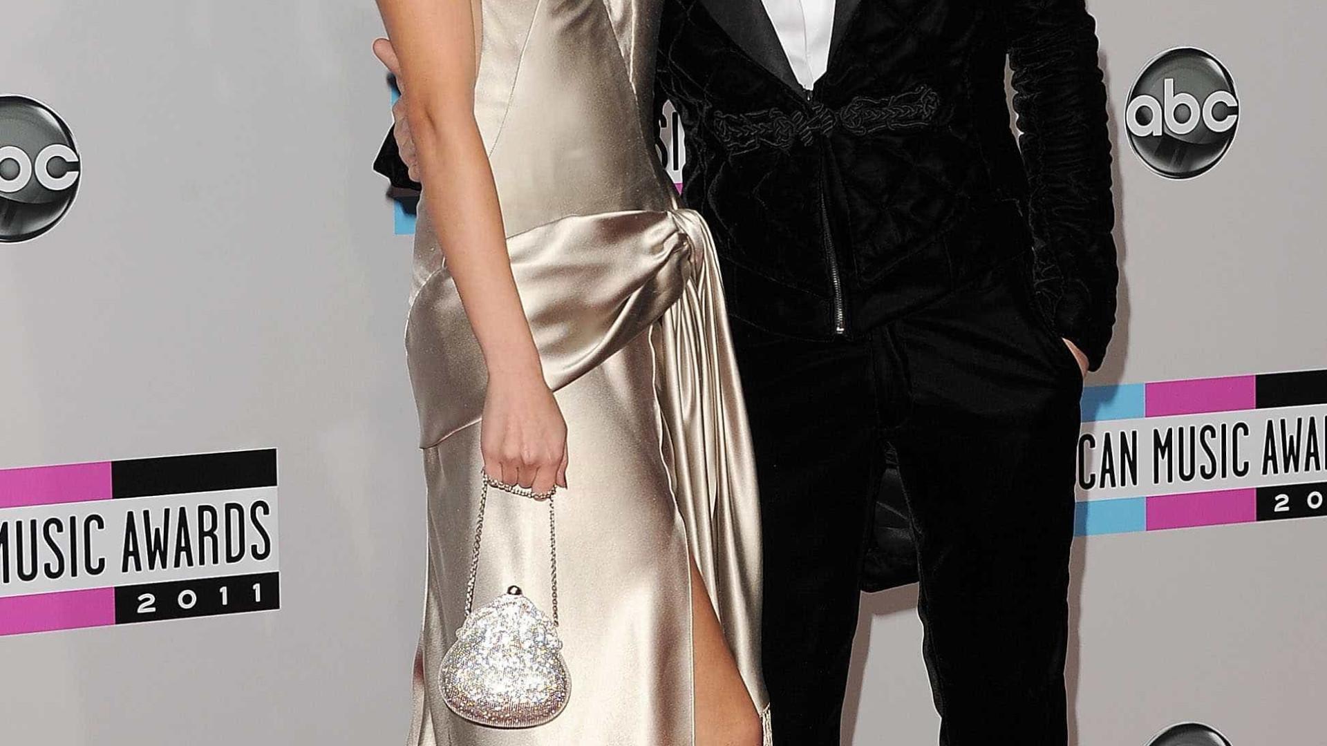 Bieber e Selena afastados: Ex-namorada do cantor ri-se no Twitter