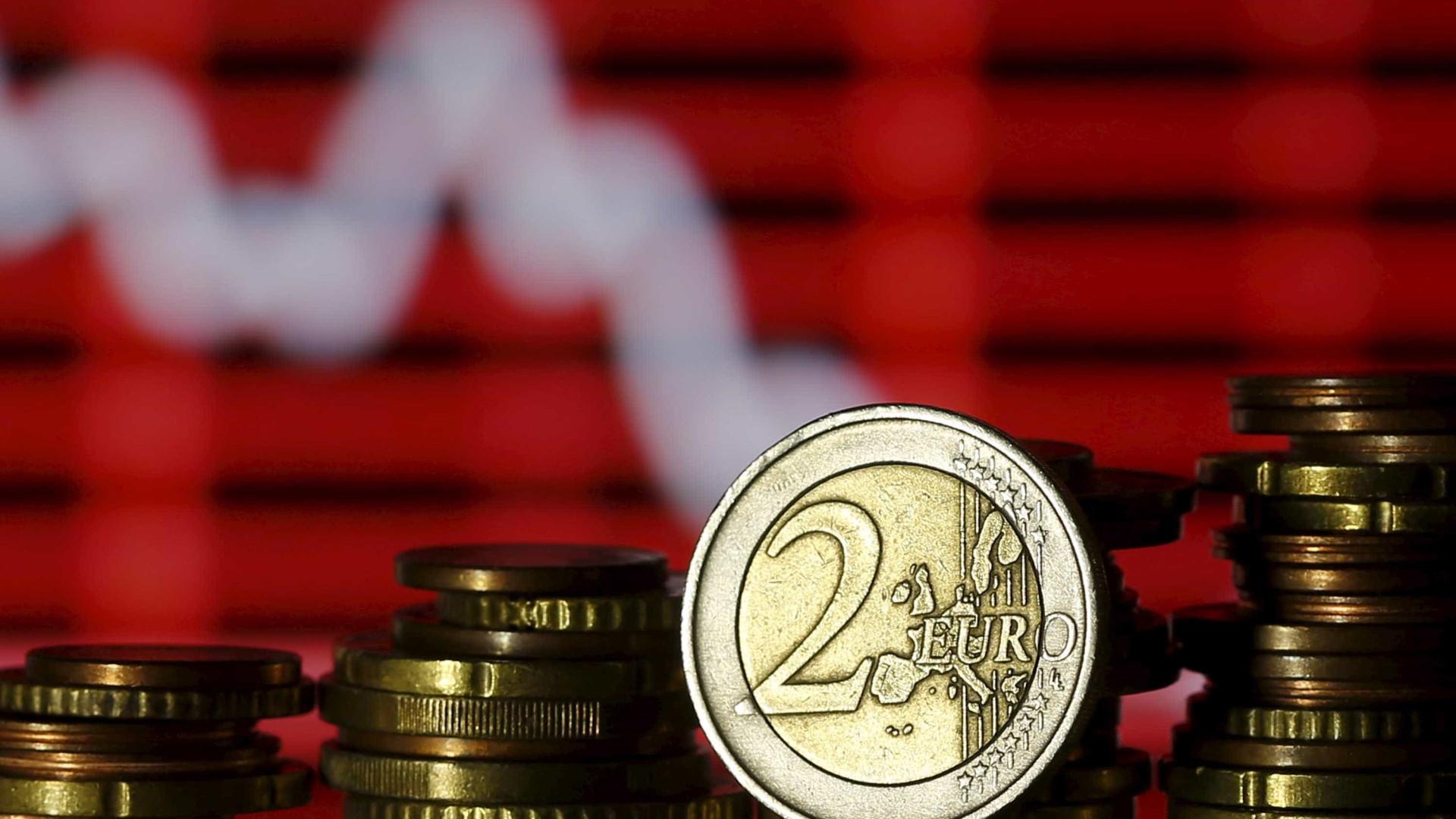 Euro sobe depois de uma série de cinco descidas