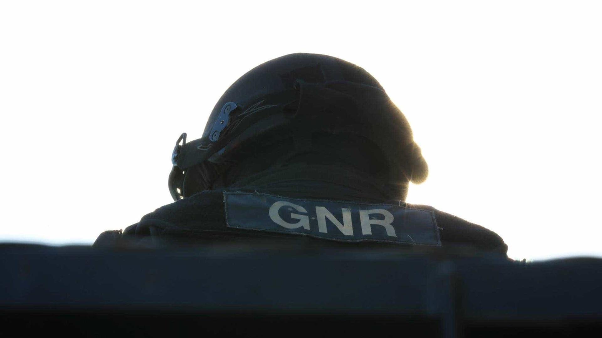 GNR dá por terminada situação de homem barricado em casa