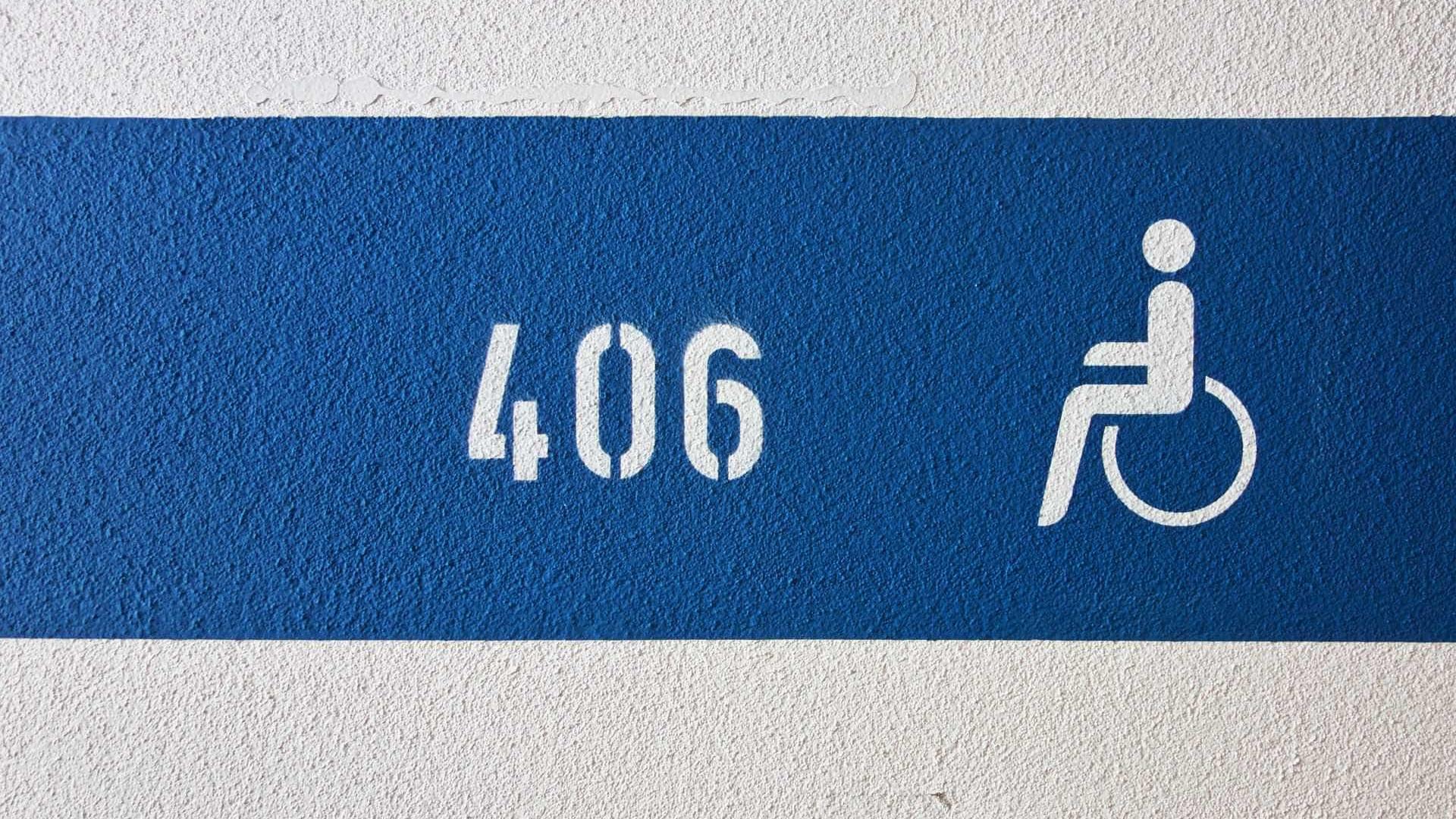 Quem estacionar em lugares para deficientes perde dois pontos na carta
