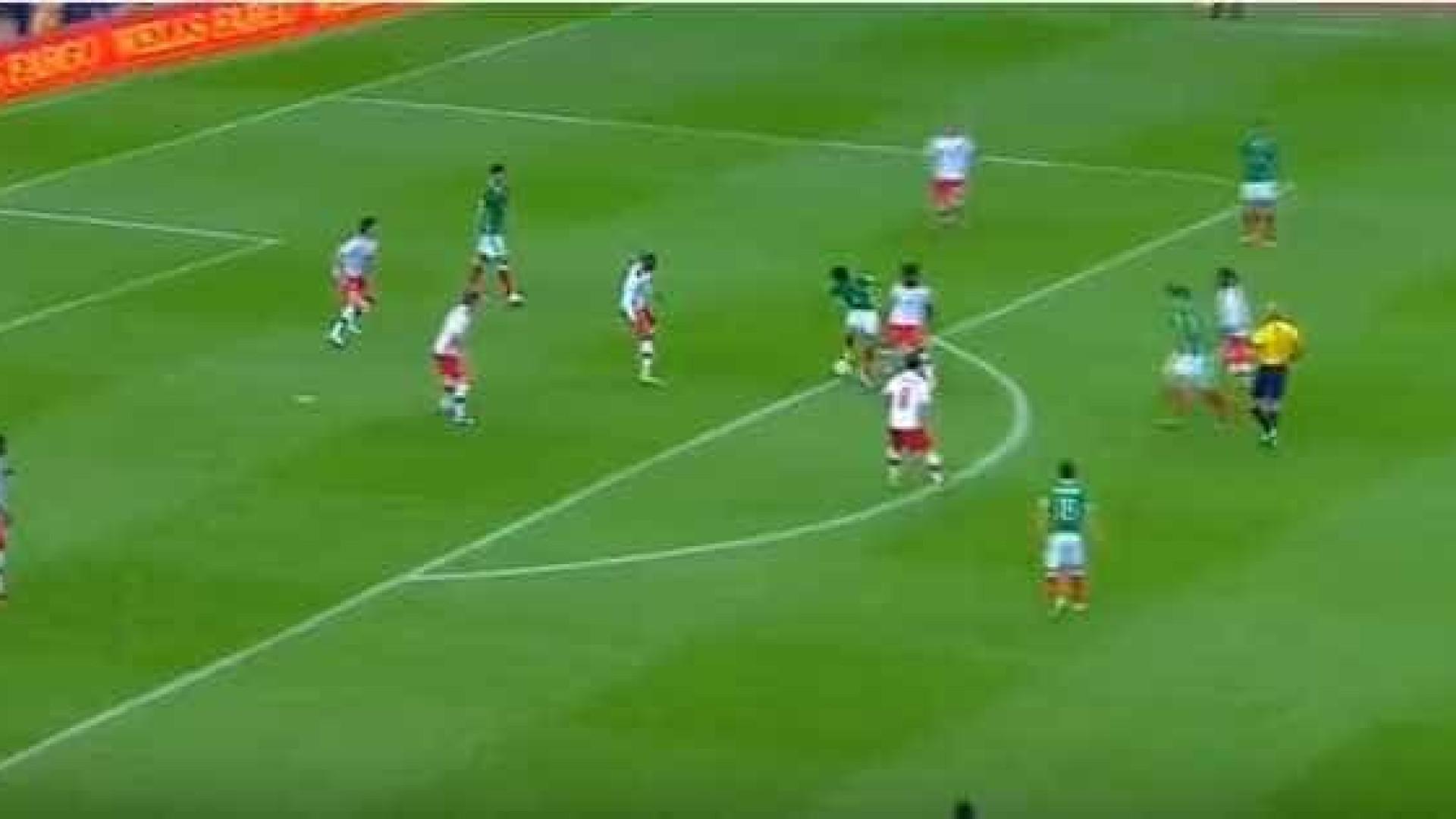 Corona faz golo de levantar o estádio pelo México 848d29f16313c