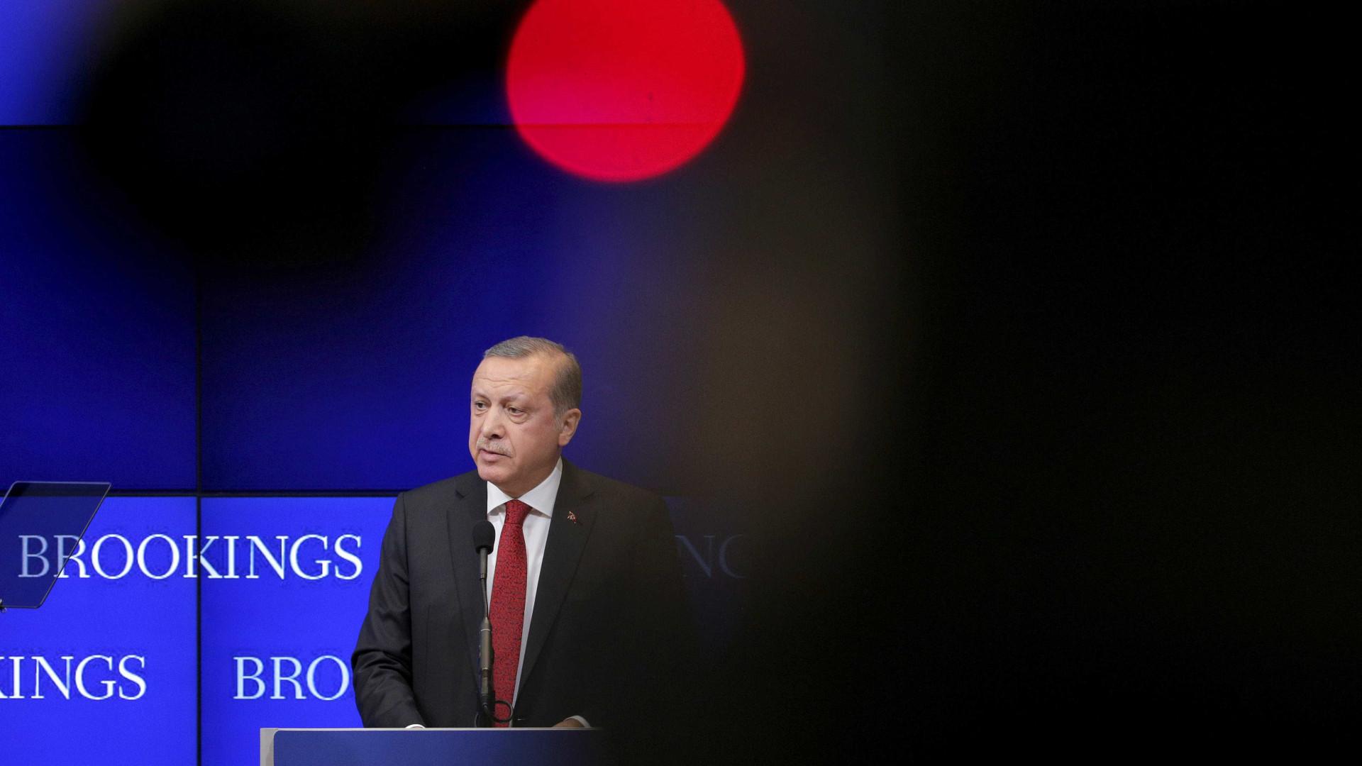 Presidente da Turquia promete ataque enclave curdo na Síria 'nos próximos dias'