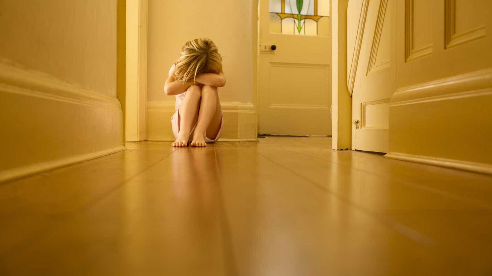 Mãe alcoolizada agrediu filha ao pontapé em hotel em Albufeira