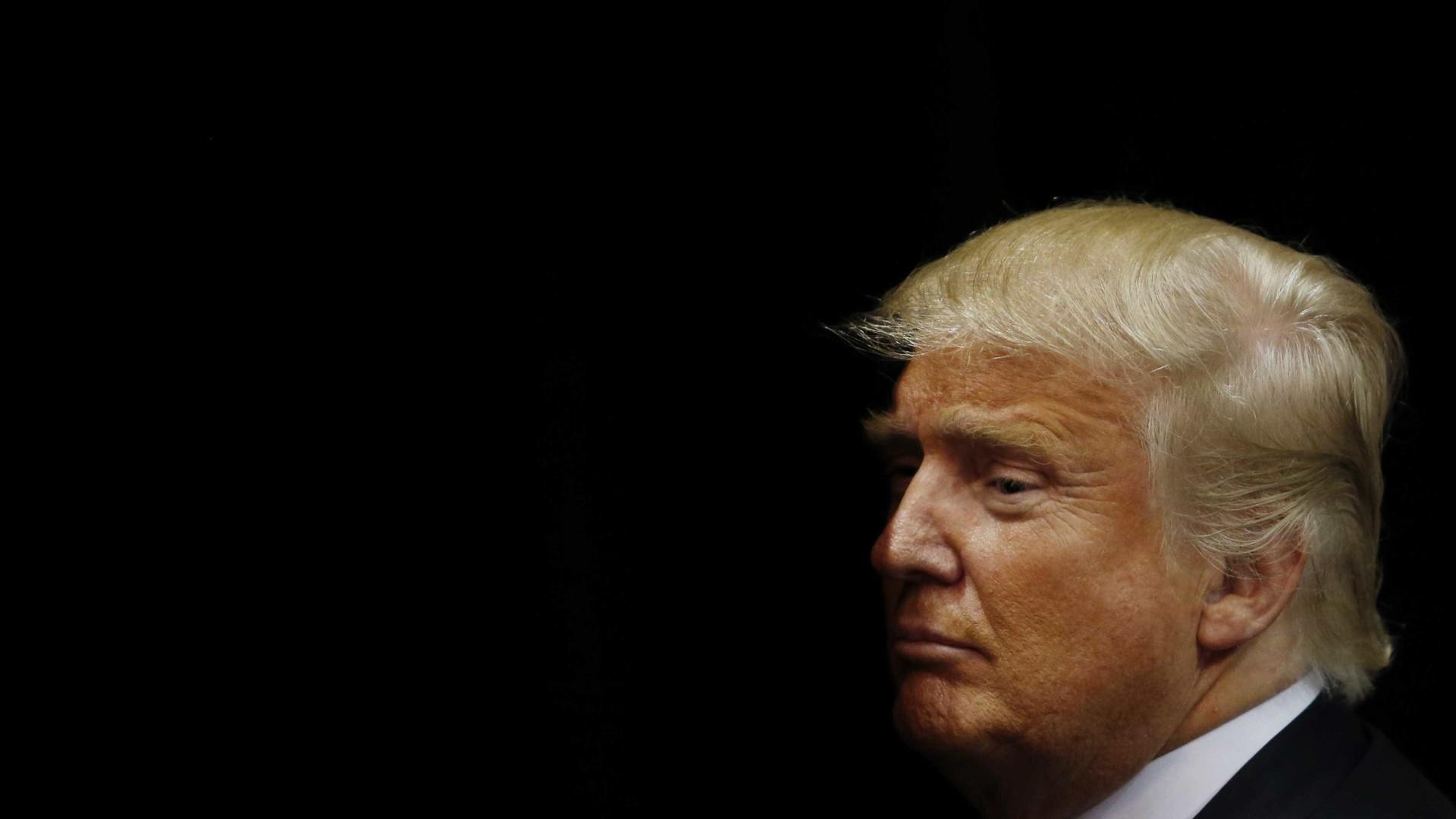 """Trump ameaça democratas com """"opção nuclear"""" para acabar com shutdown"""