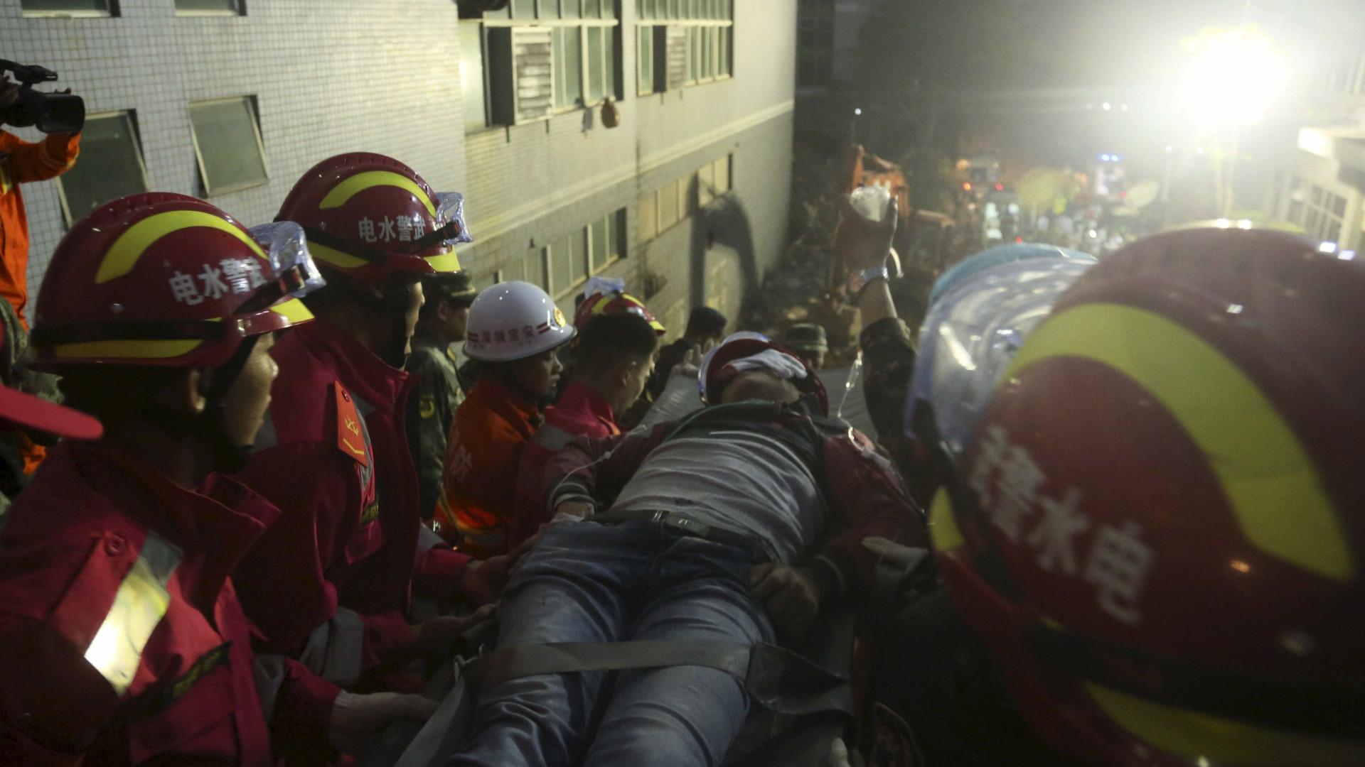 Sete mineiros mortos e 22 presos em duas minas de carvão na China