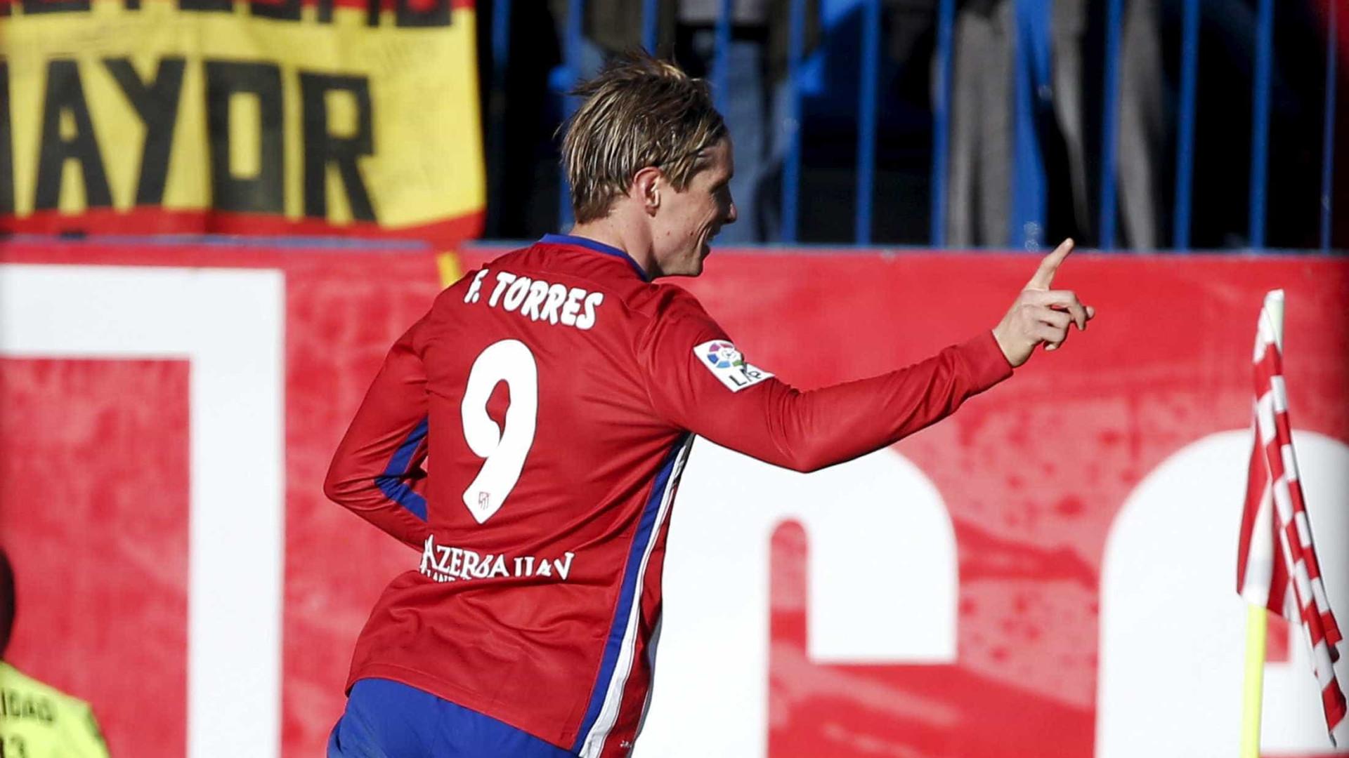 Fernando Torres continua no Atlético Madrid na próxima época