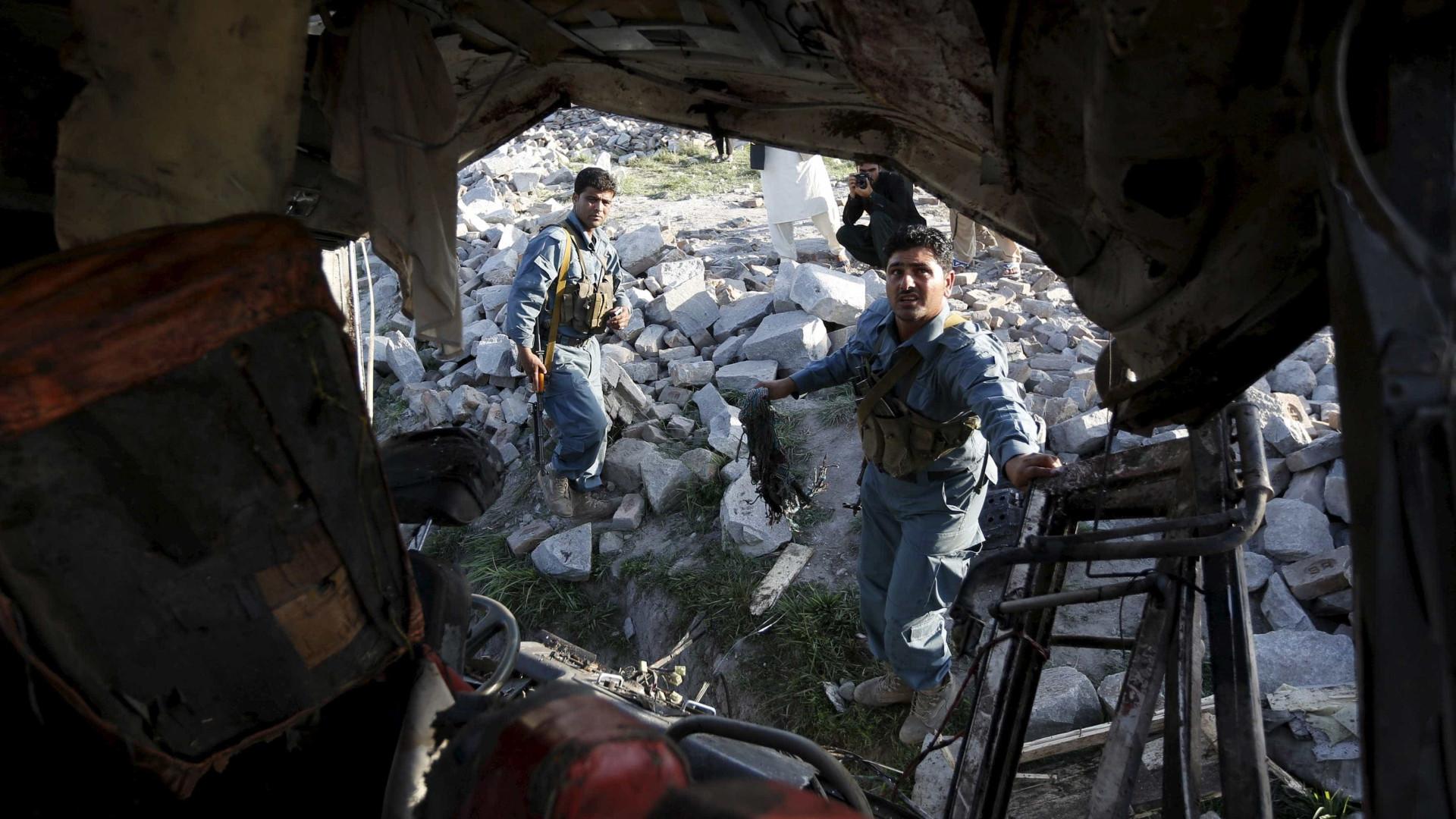 Explosão no Afeganistão provoca 11 mortos ao segundo dia das eleições