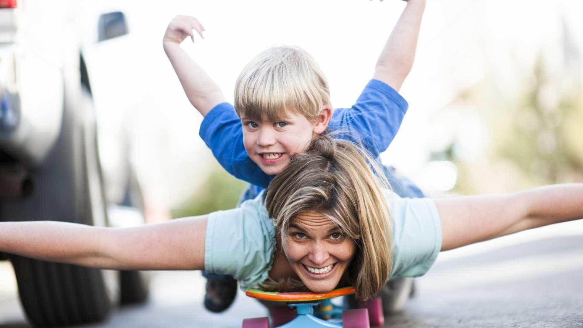 Mães gostavam de ter mais tempo para brincar com os filhos