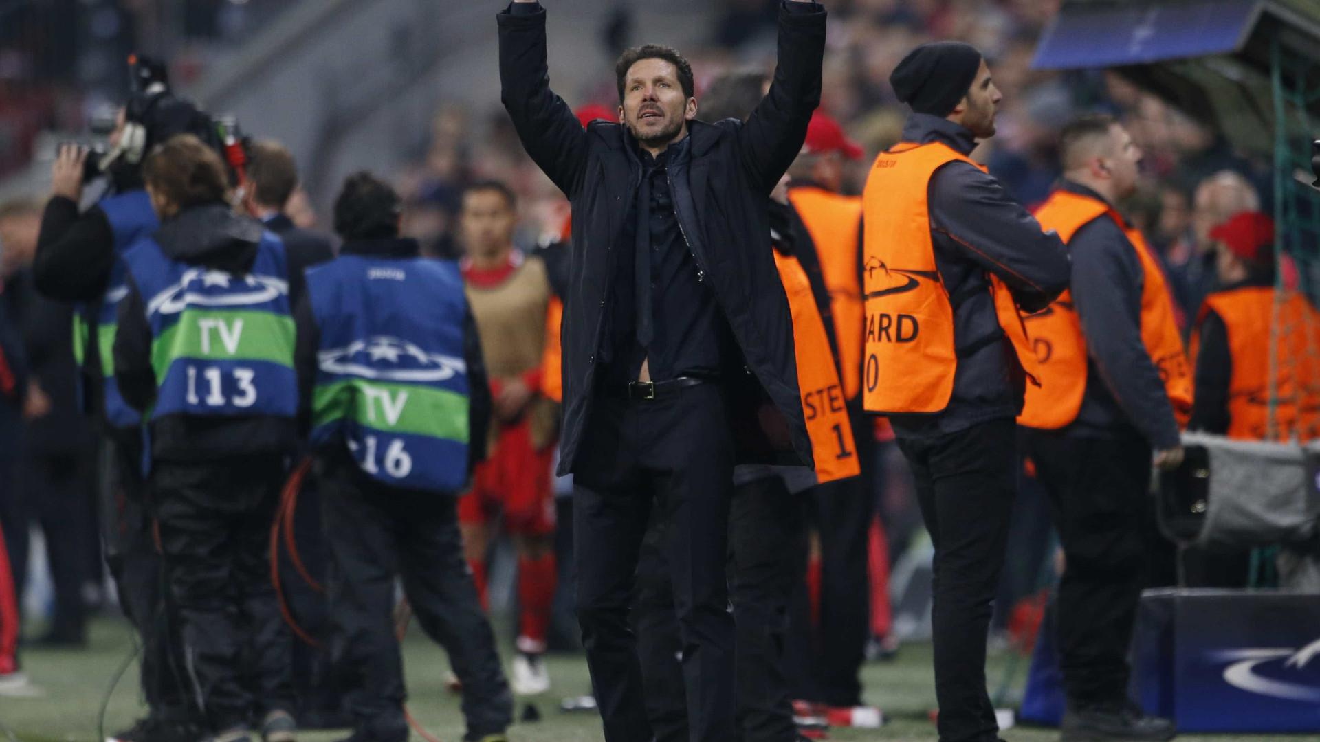 Atlético de Madri renova com técnico Diego Simeone até 2020