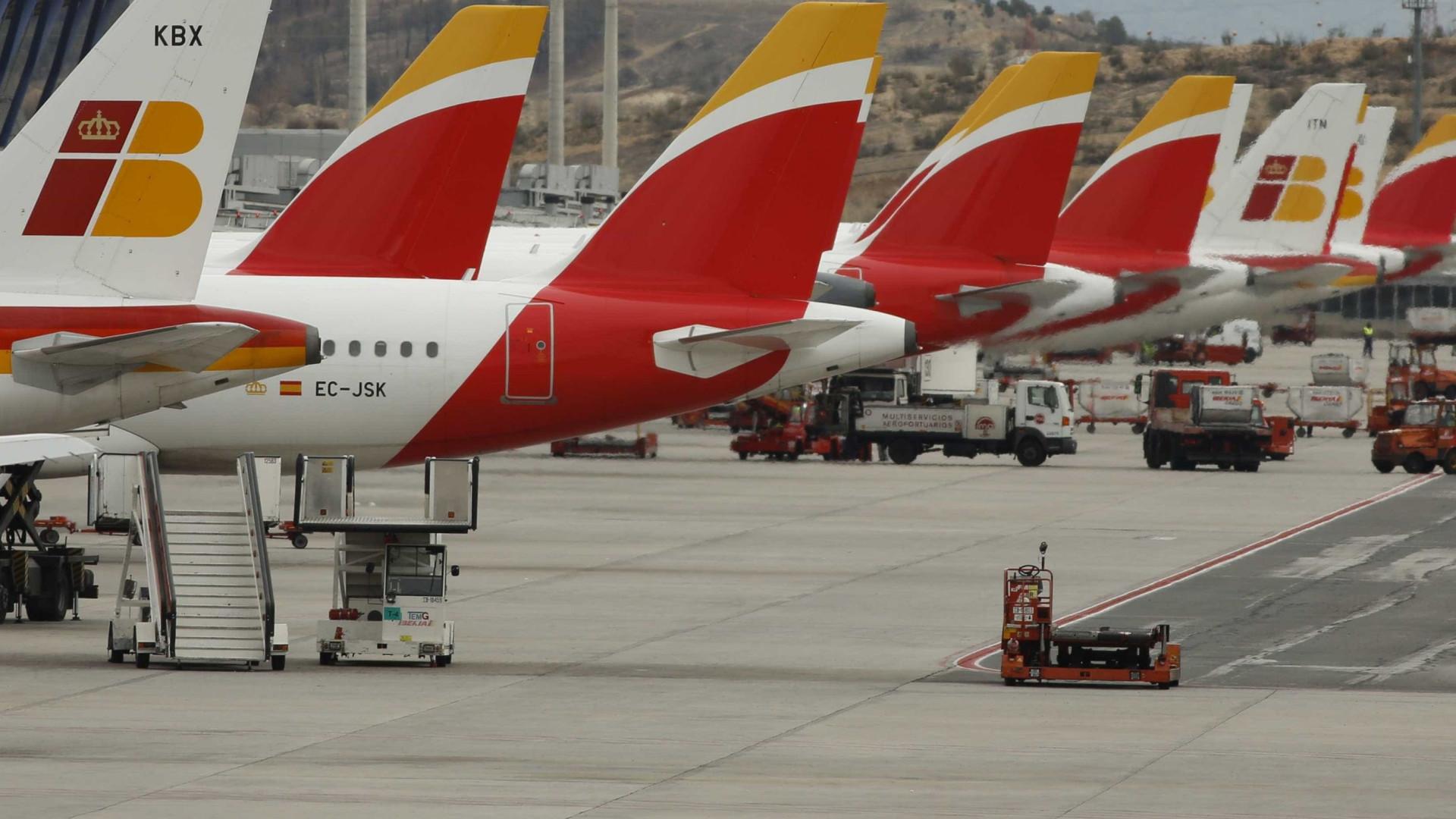 Avião da Iberia forçado a aterrar de emergência após problema no motor