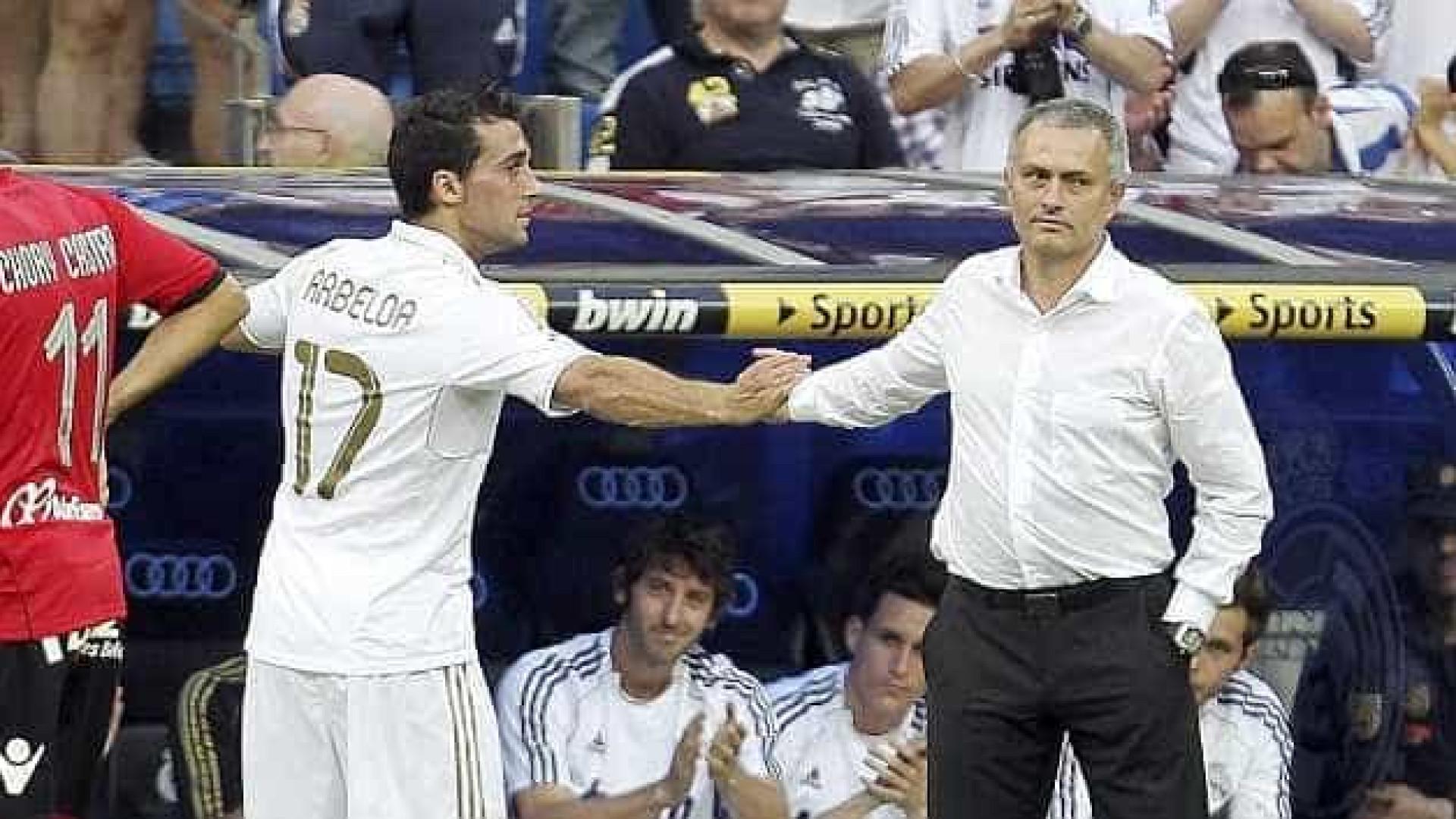 Defesa espanhol Álvaro Arbeloa anuncia retirada do futebol