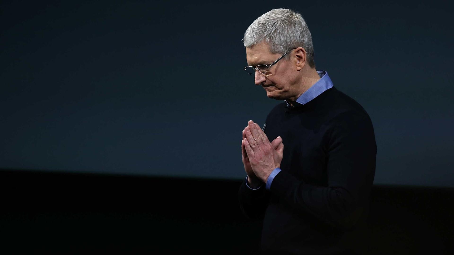 CEO da Apple 'reza' para acabar com o dinheiro antes de morrer