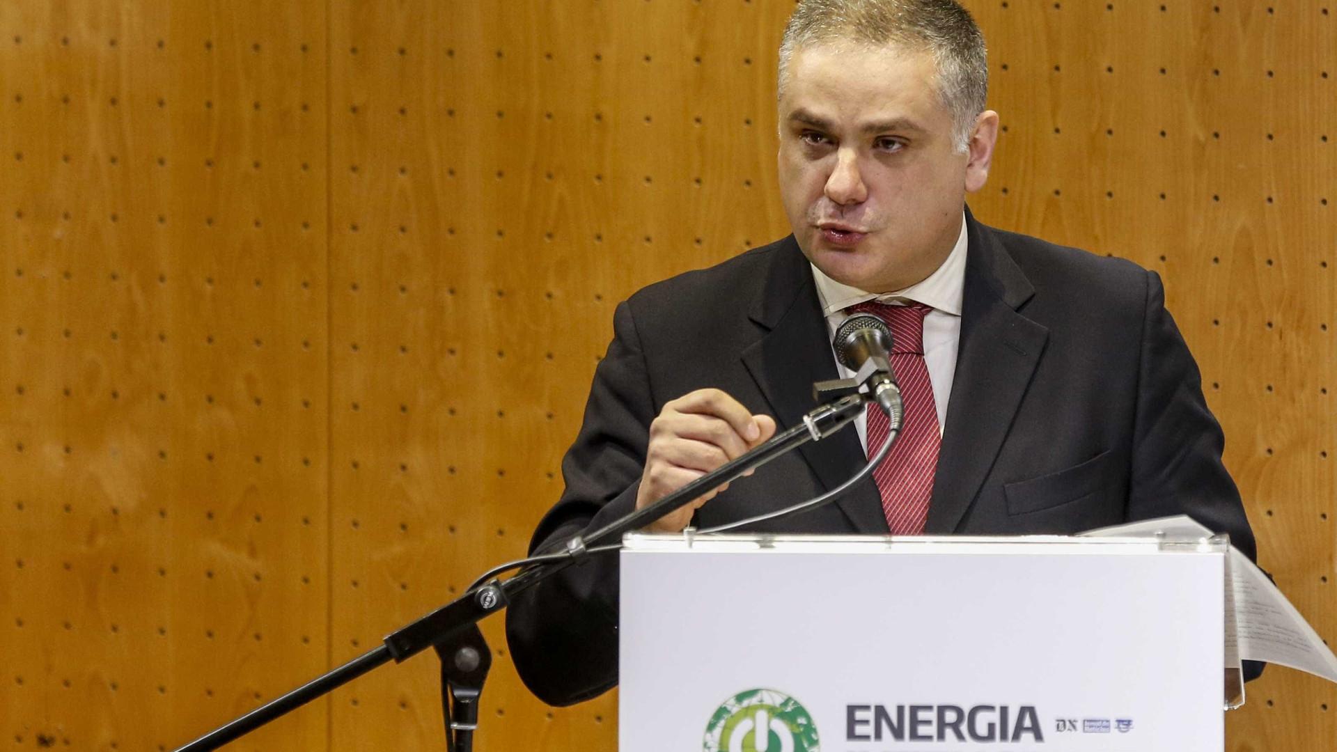 Suspensão de impostos em Espanha leva a rever sistema elétrico português