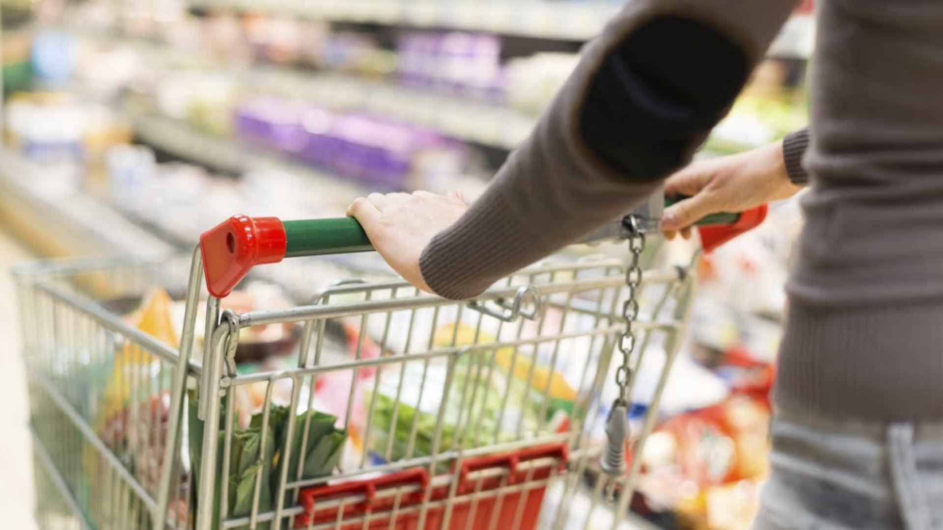 Atividade económica aumenta em março e consumo privado permanece estável