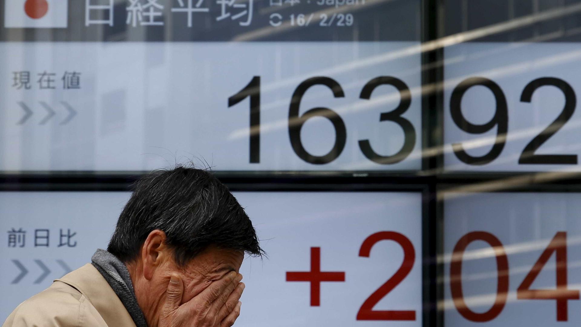 Bolsas de NY afundam, e Dow Jones tem maior queda da história