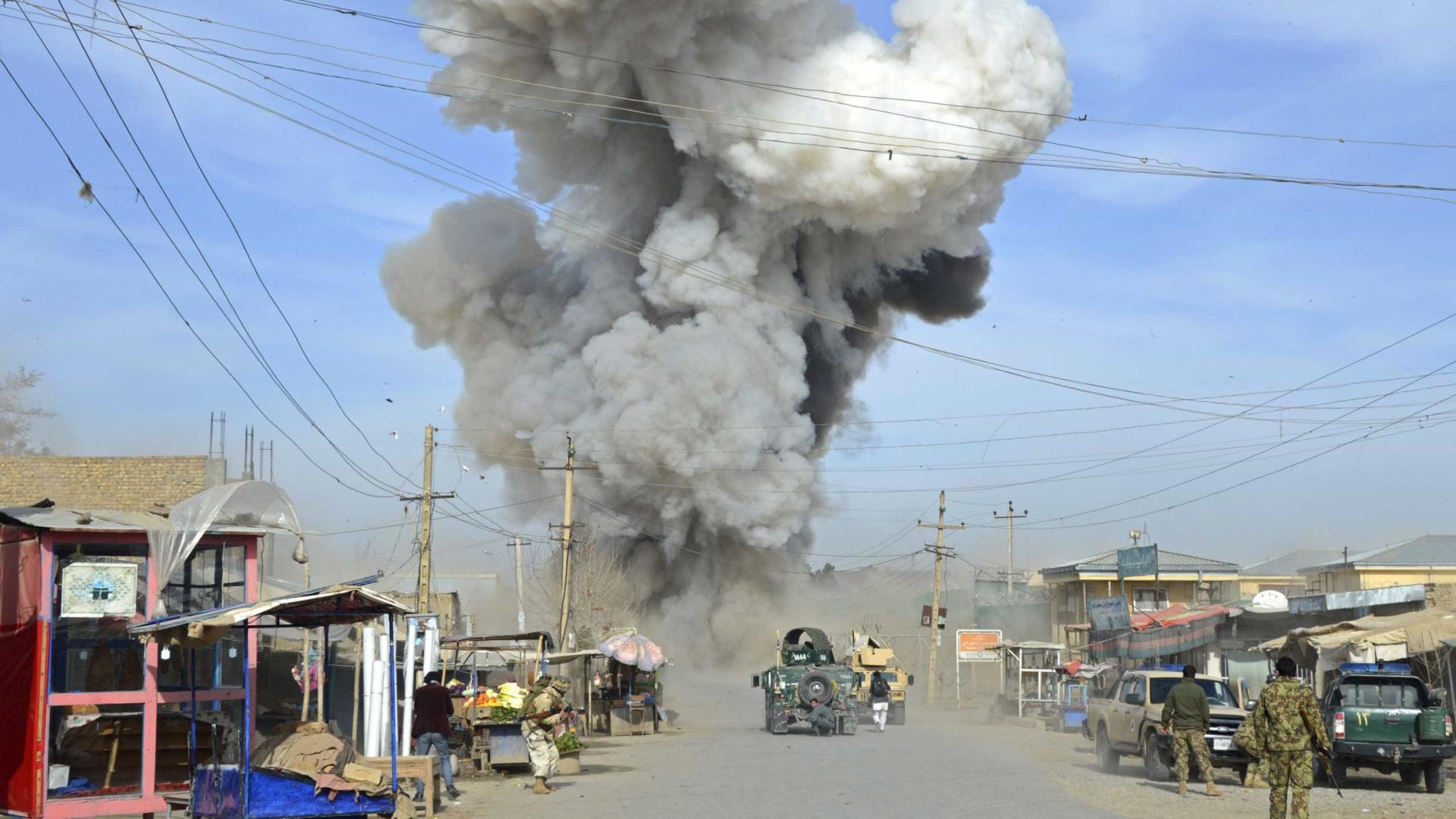 Ataque talibã faz sete mortos no Afeganistão
