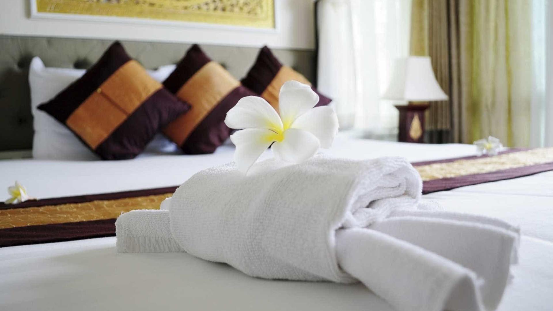 Hotelaria cresce em setembro impulsionada por não residentes