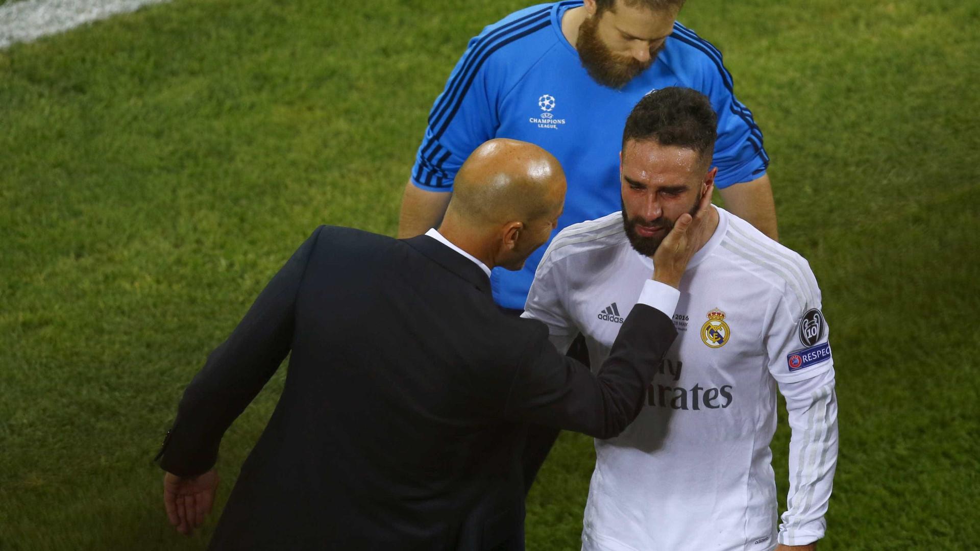 Oficial: Carvajal mantêm-se no Real Madrid até 2022