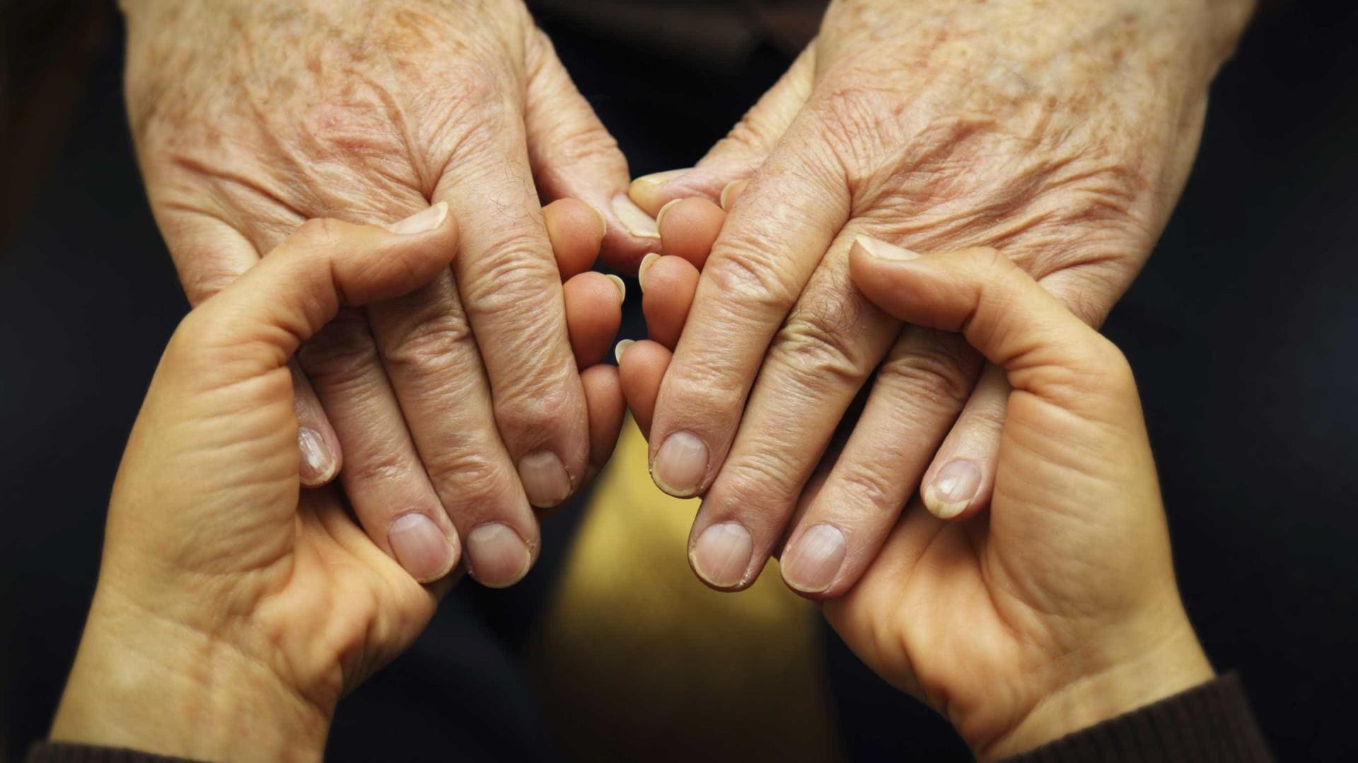 """Fundação com """"aumento significativo"""" de denúncias de maus tratos a idosos"""